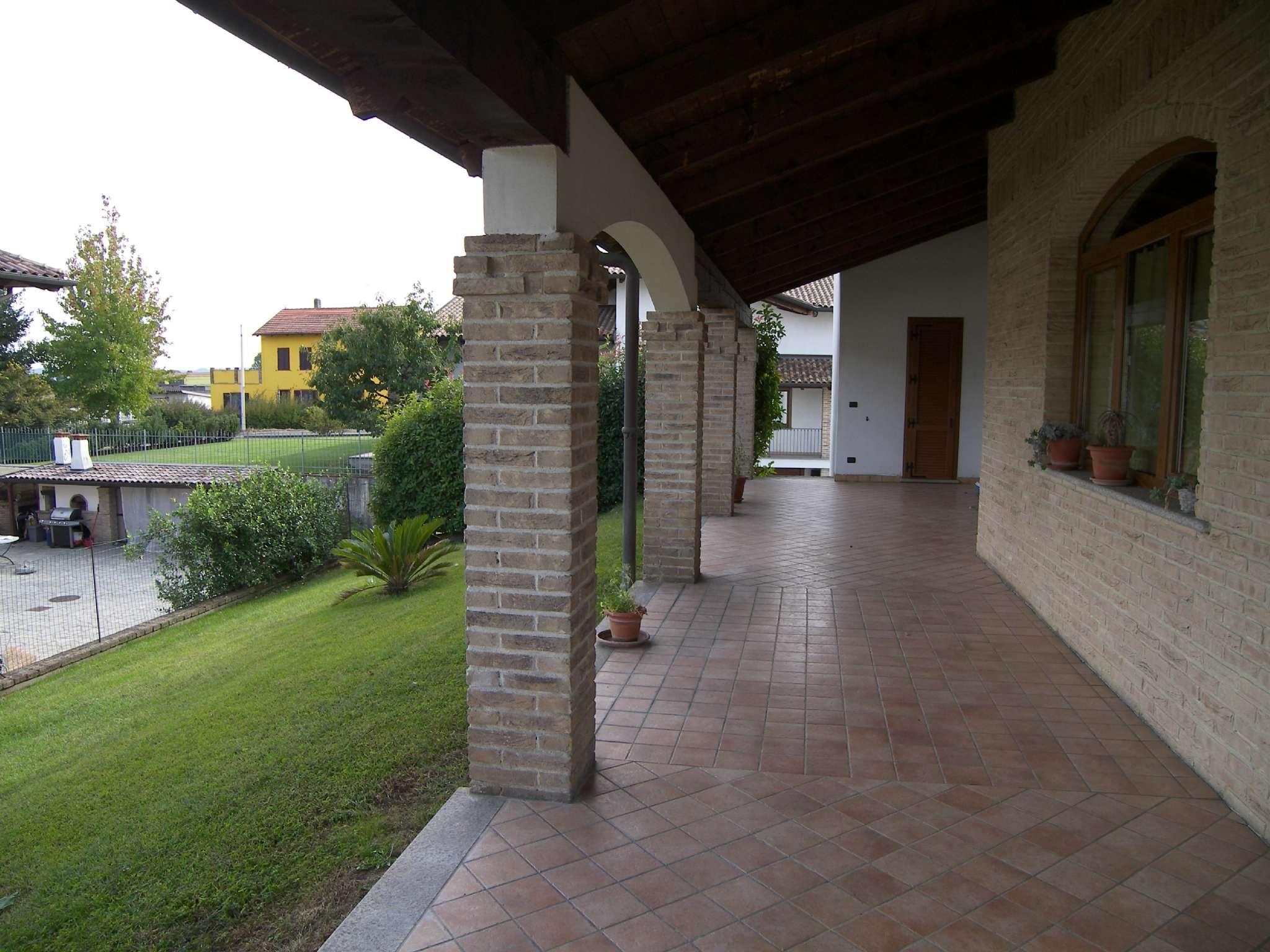 Villa parzialmente arredato in vendita Rif. 5095719