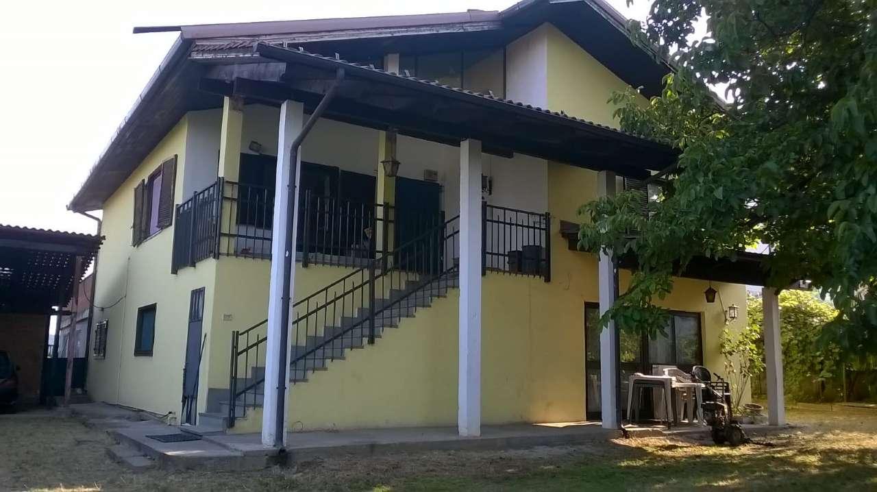 Appartamento in buone condizioni in vendita Rif. 5785770