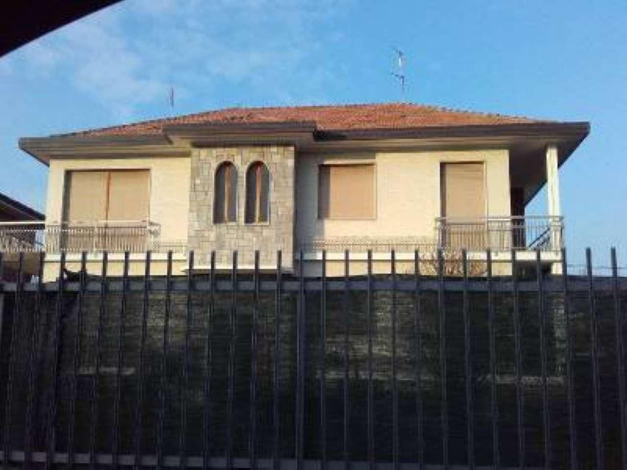 San Giusto Canavese  alloggetto vuoto grazioso con termo autonomo affittasi 350 mensili con box