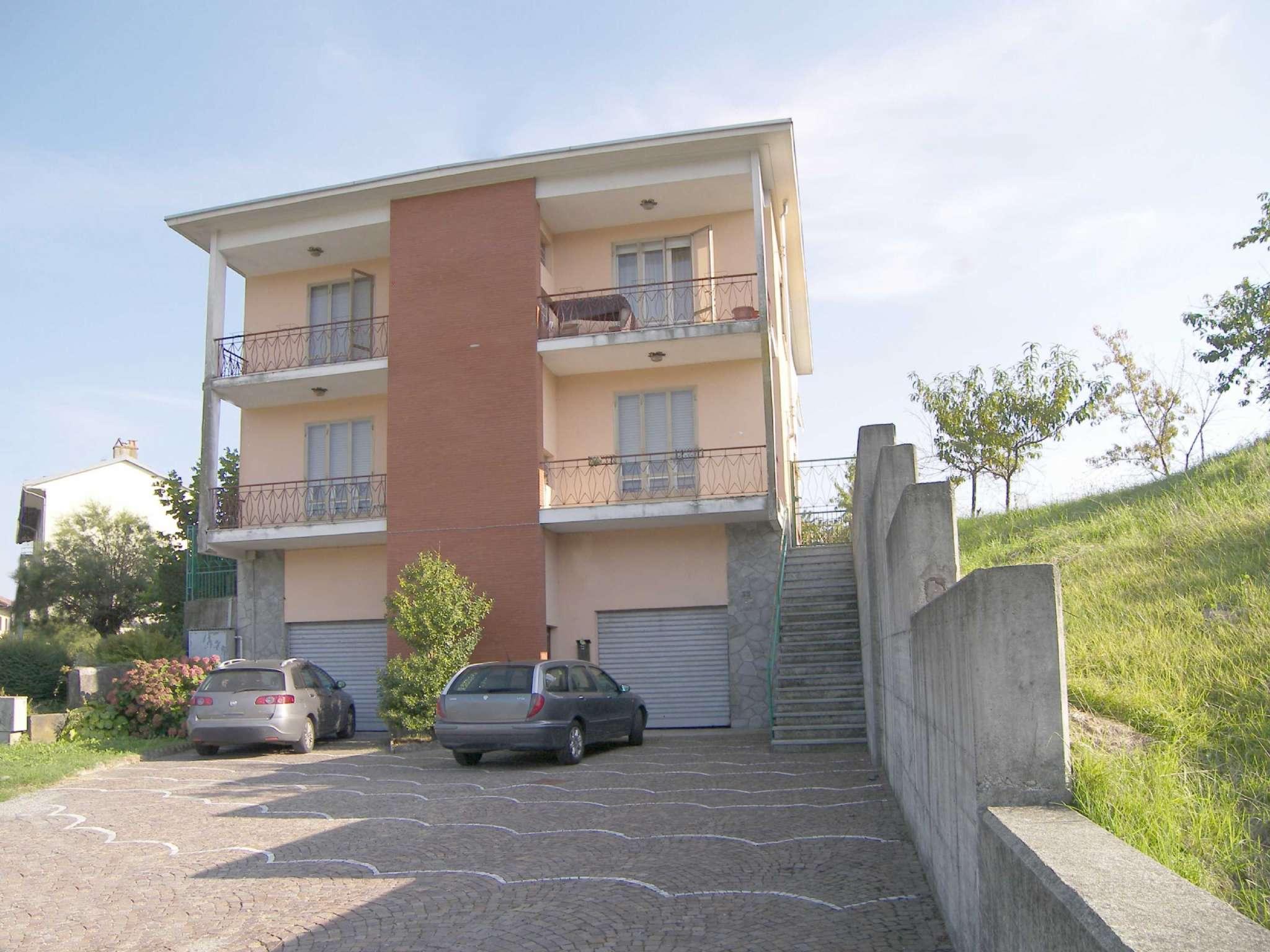 Porzione di casa in buone condizioni in vendita Rif. 7947742