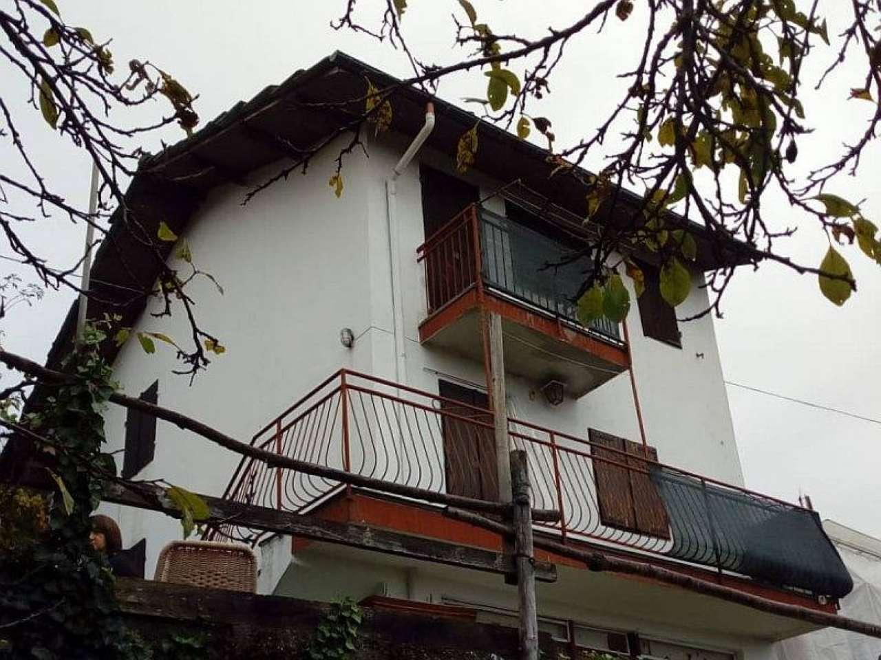 Casa Indipendente in buone condizioni in vendita Rif. 8832227