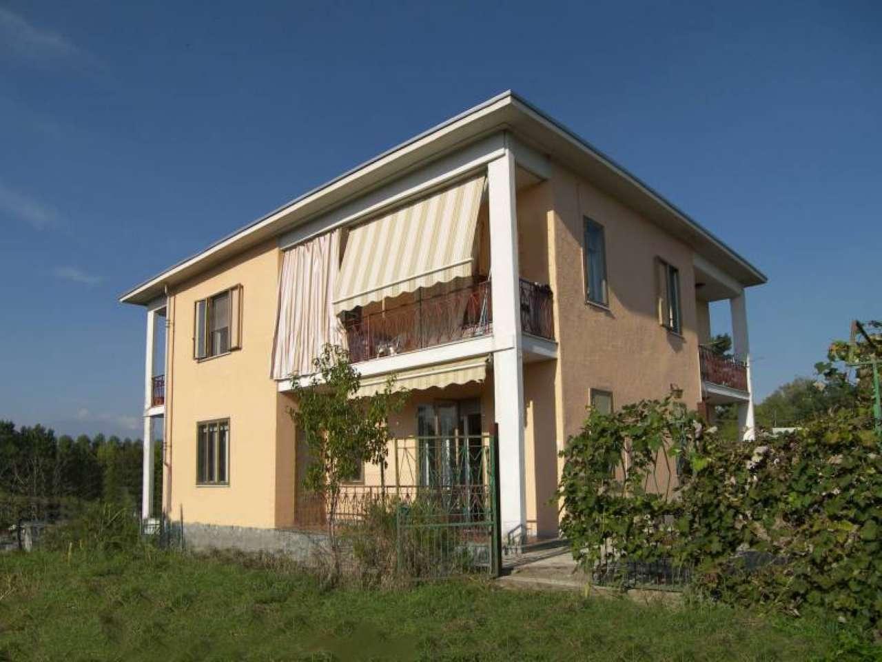 Soluzione Semindipendente in affitto a Strambino, 7 locali, prezzo € 400 | PortaleAgenzieImmobiliari.it