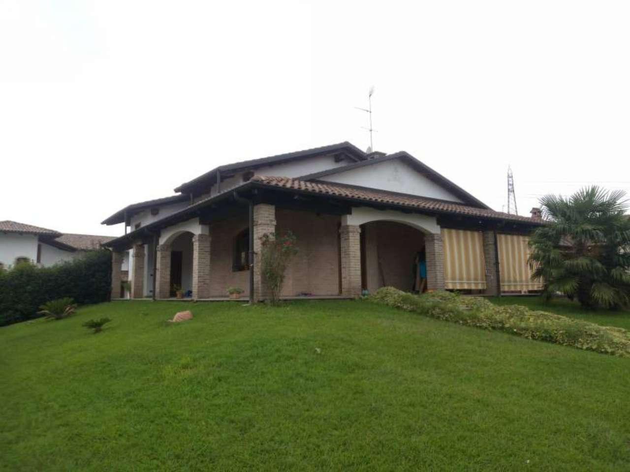 Villa in vendita a Cigliano, 10 locali, prezzo € 249.000 | PortaleAgenzieImmobiliari.it