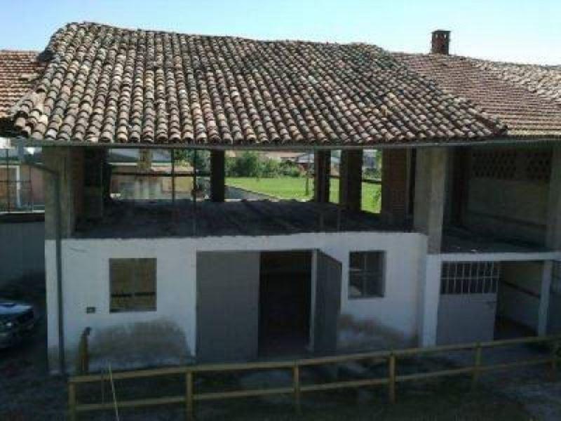 Rustico / Casale da ristrutturare in vendita Rif. 5095610