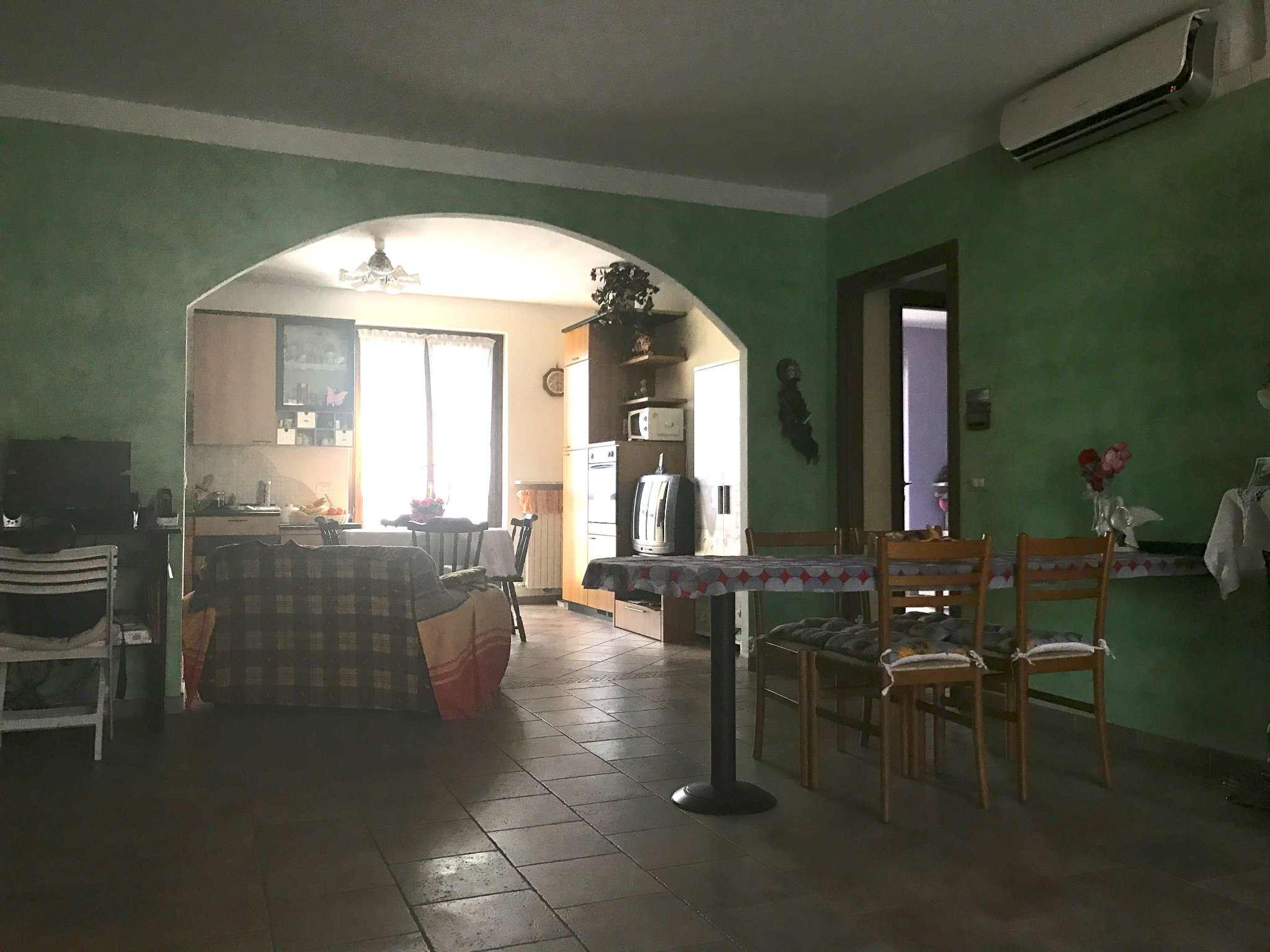 Appartamento in ottime condizioni in vendita Rif. 7946001