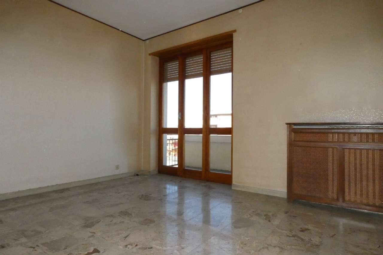 Appartamento in vendita a Bra, 4 locali, prezzo € 89.000   CambioCasa.it