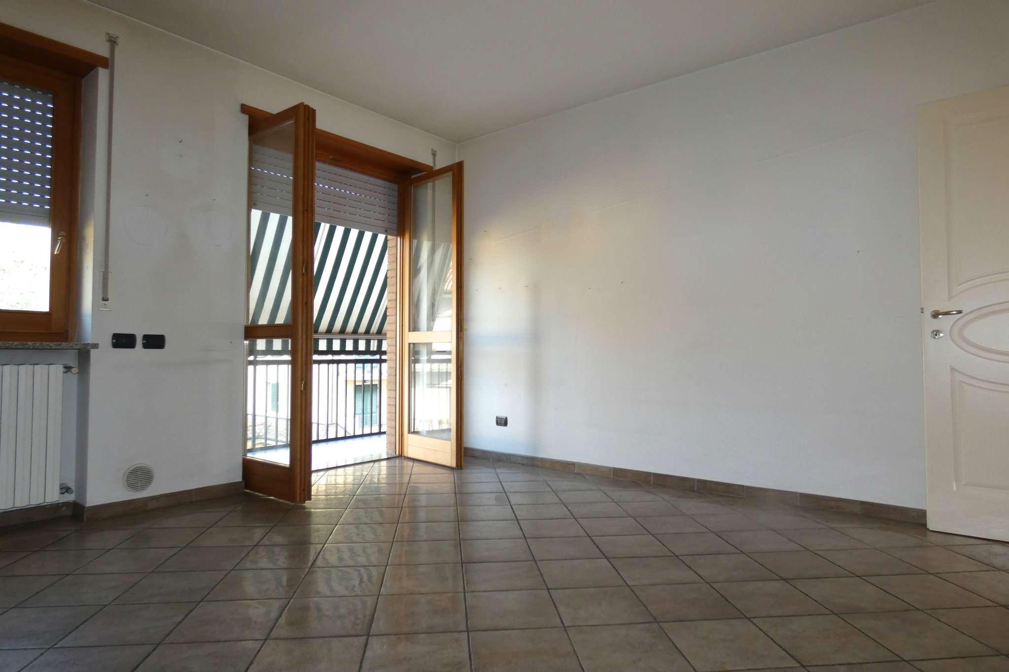Appartamento in ottime condizioni in vendita Rif. 7385596