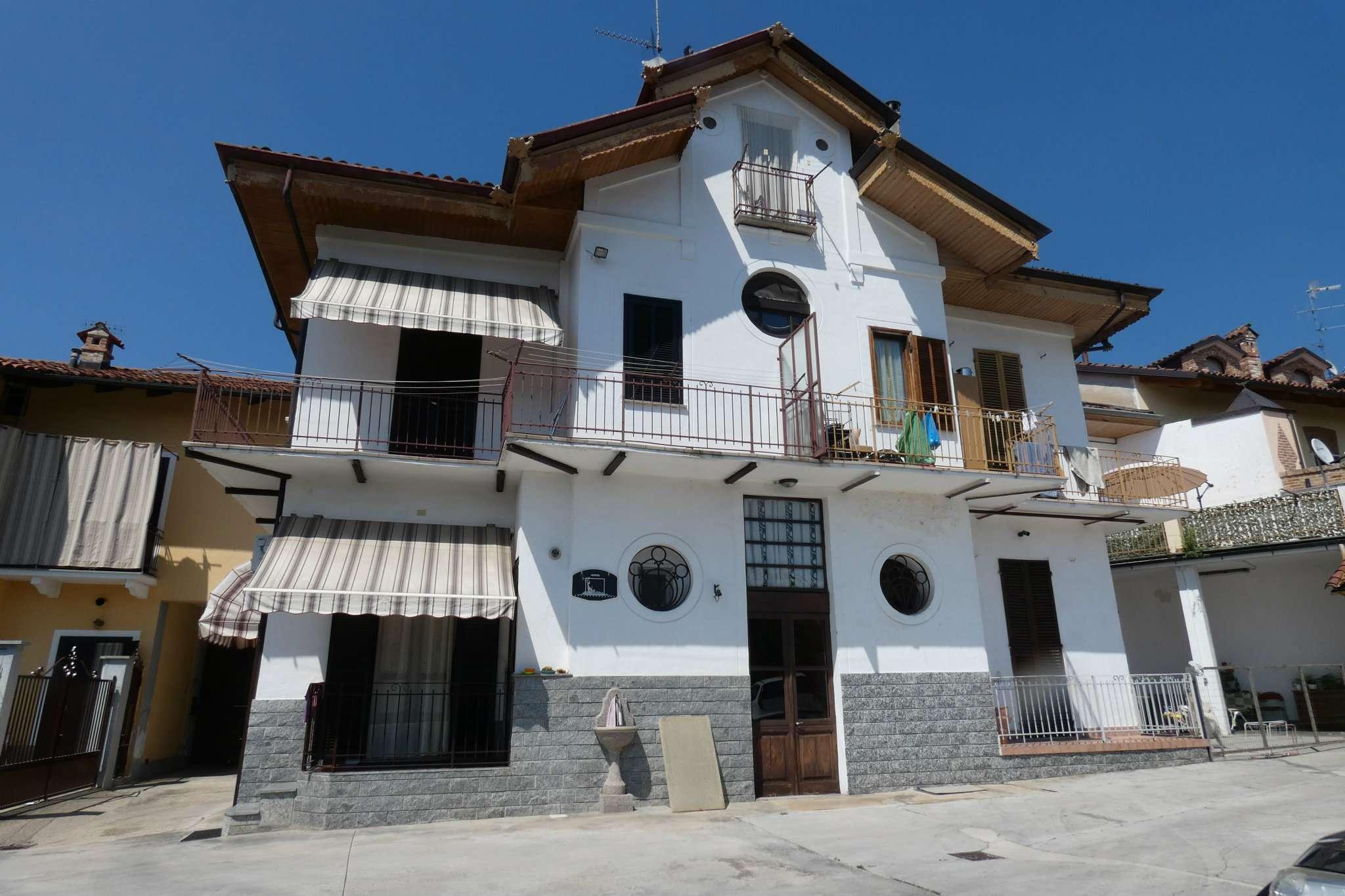 Soluzione Semindipendente in vendita a Bra, 5 locali, prezzo € 270.000 | CambioCasa.it