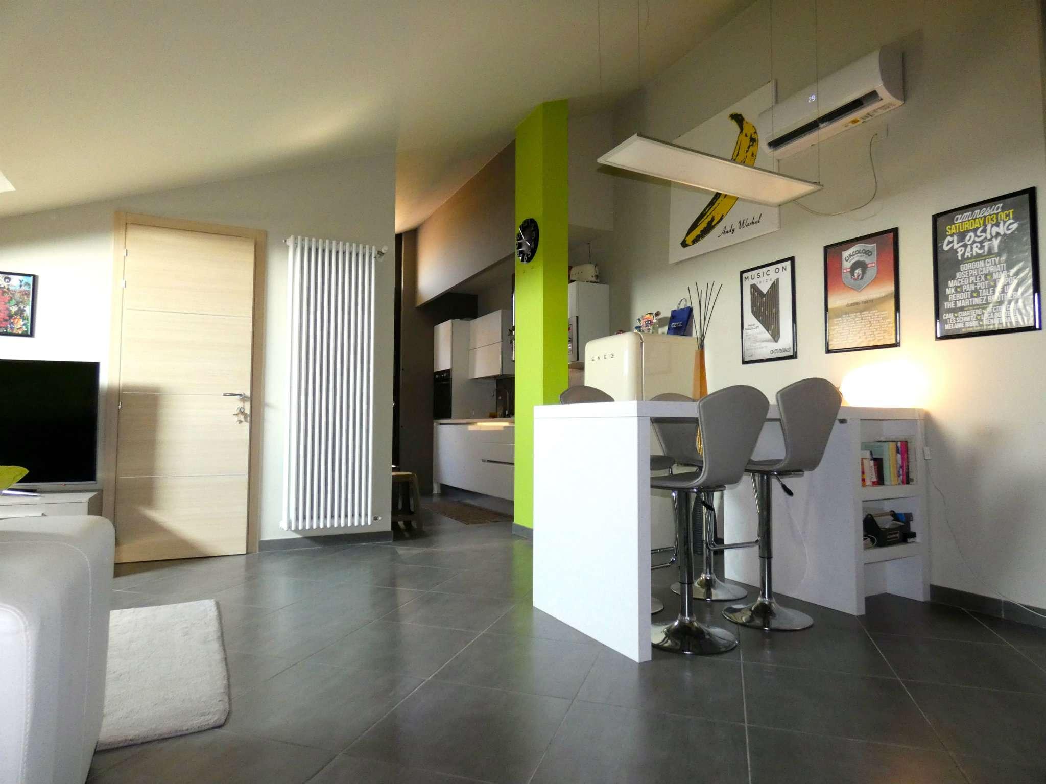 Appartamento in ottime condizioni in vendita Rif. 8733438