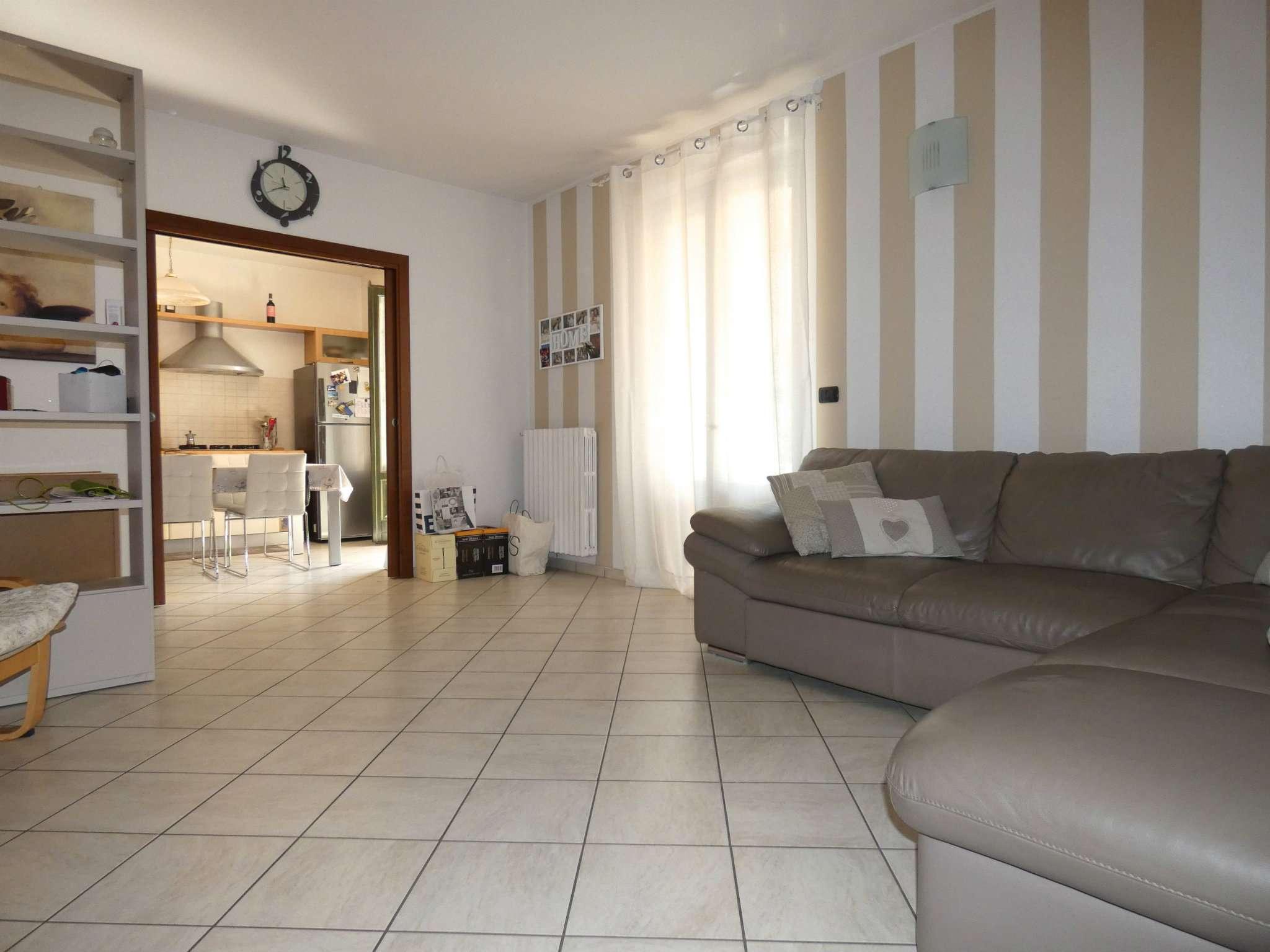 Appartamento in ottime condizioni in vendita Rif. 8200978