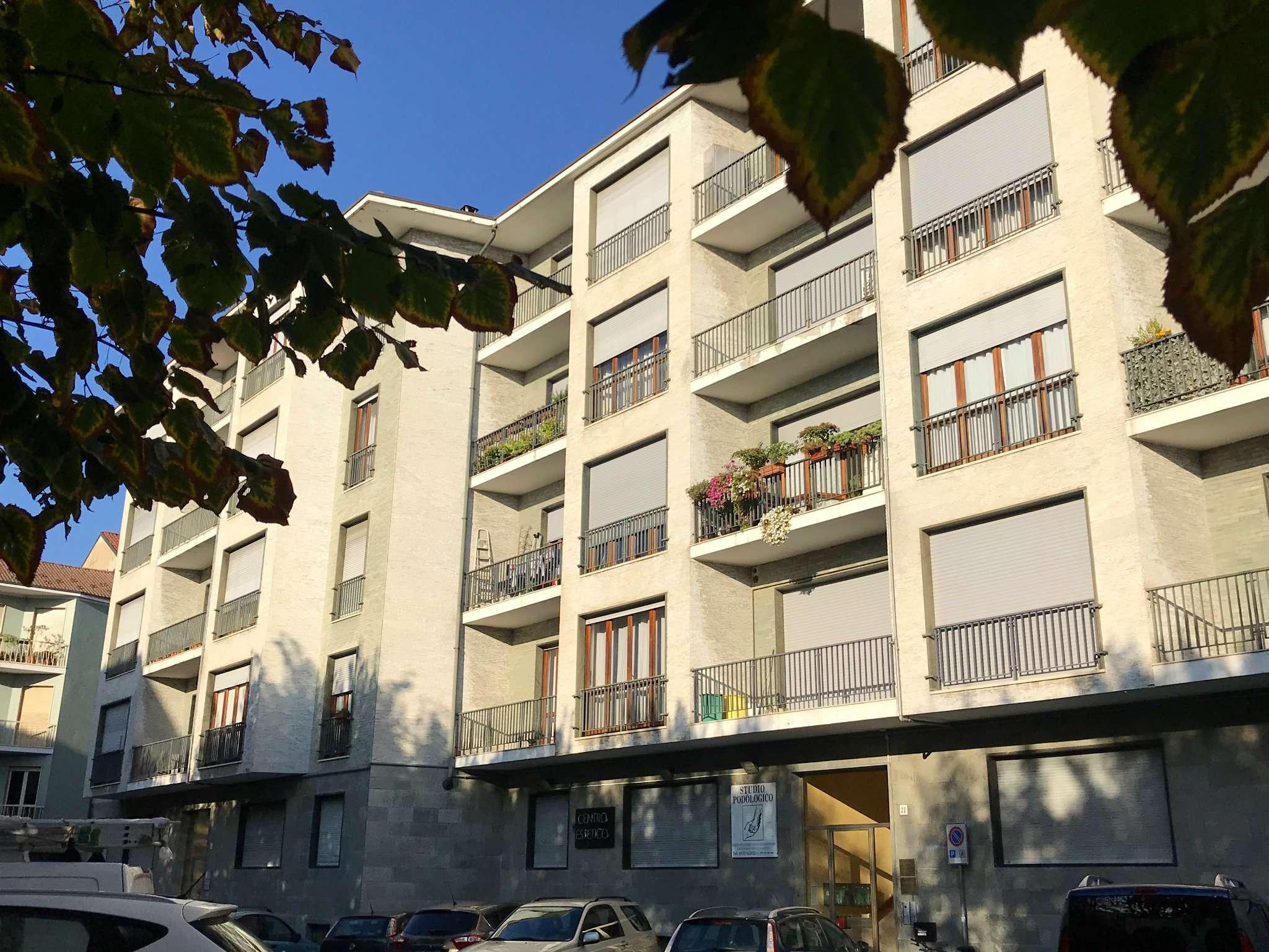 Appartamento in buone condizioni in vendita Rif. 8861752