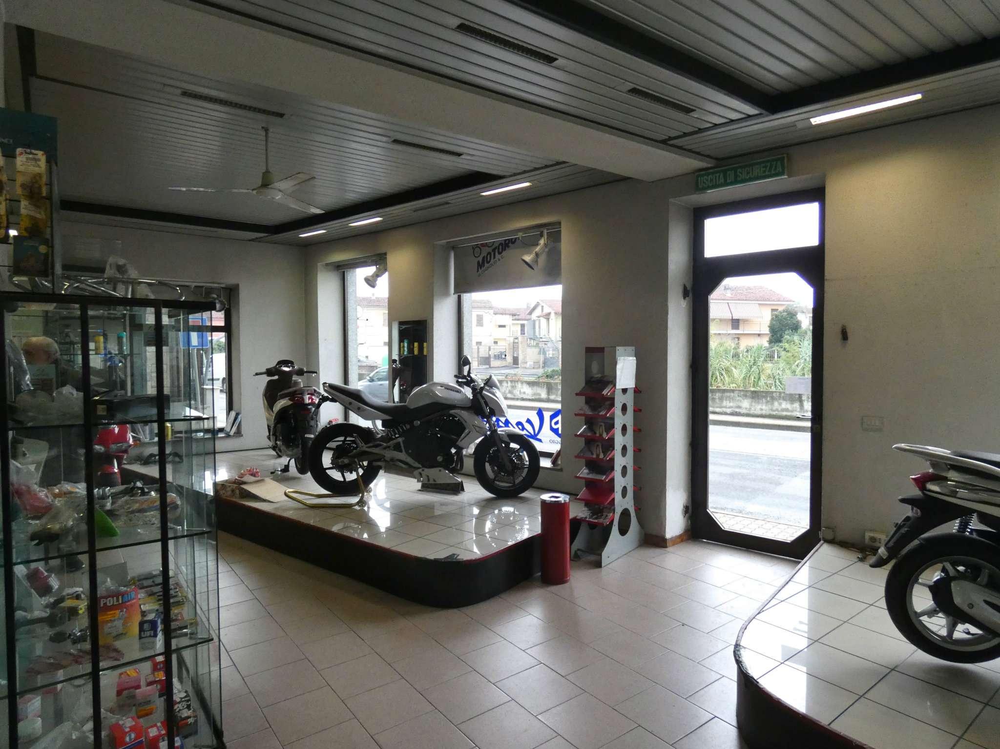 Negozio / Locale in vendita a Bra, 4 locali, Trattative riservate | CambioCasa.it