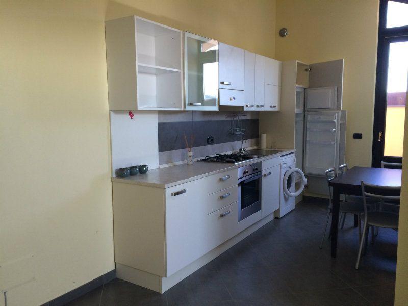 Appartamento in ottime condizioni arredato in affitto Rif. 6726450
