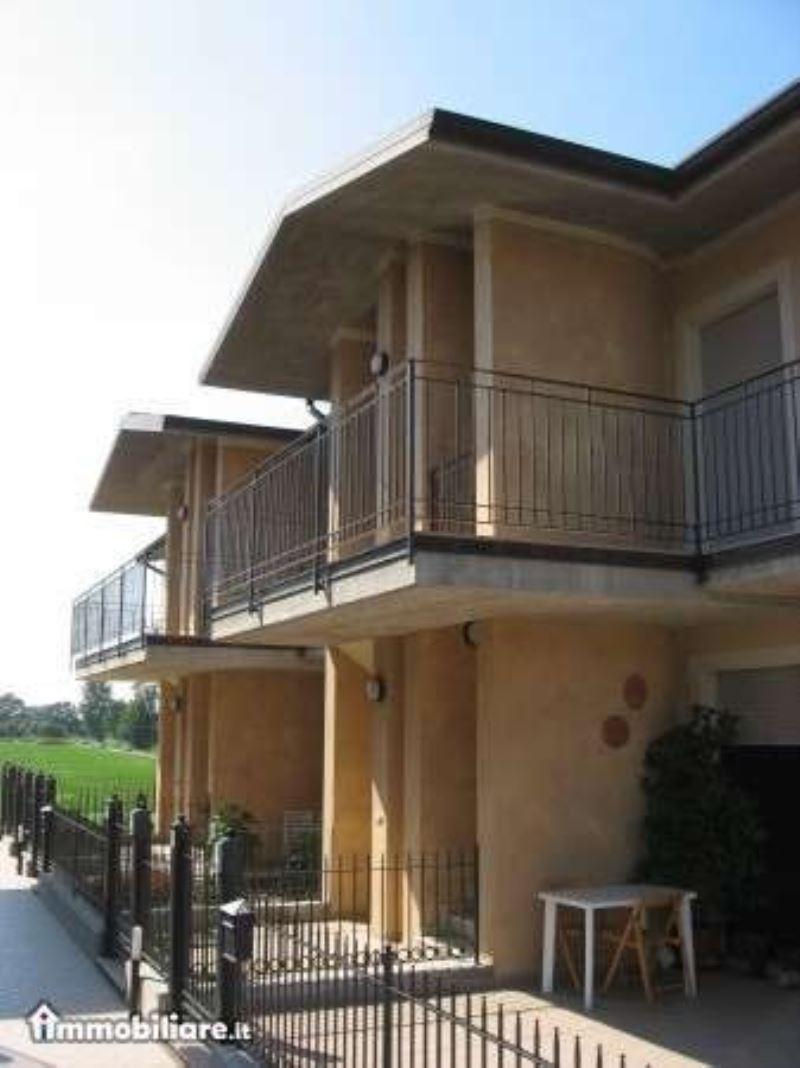 Appartamento in vendita a Vescovato, 3 locali, prezzo € 79.900 | CambioCasa.it
