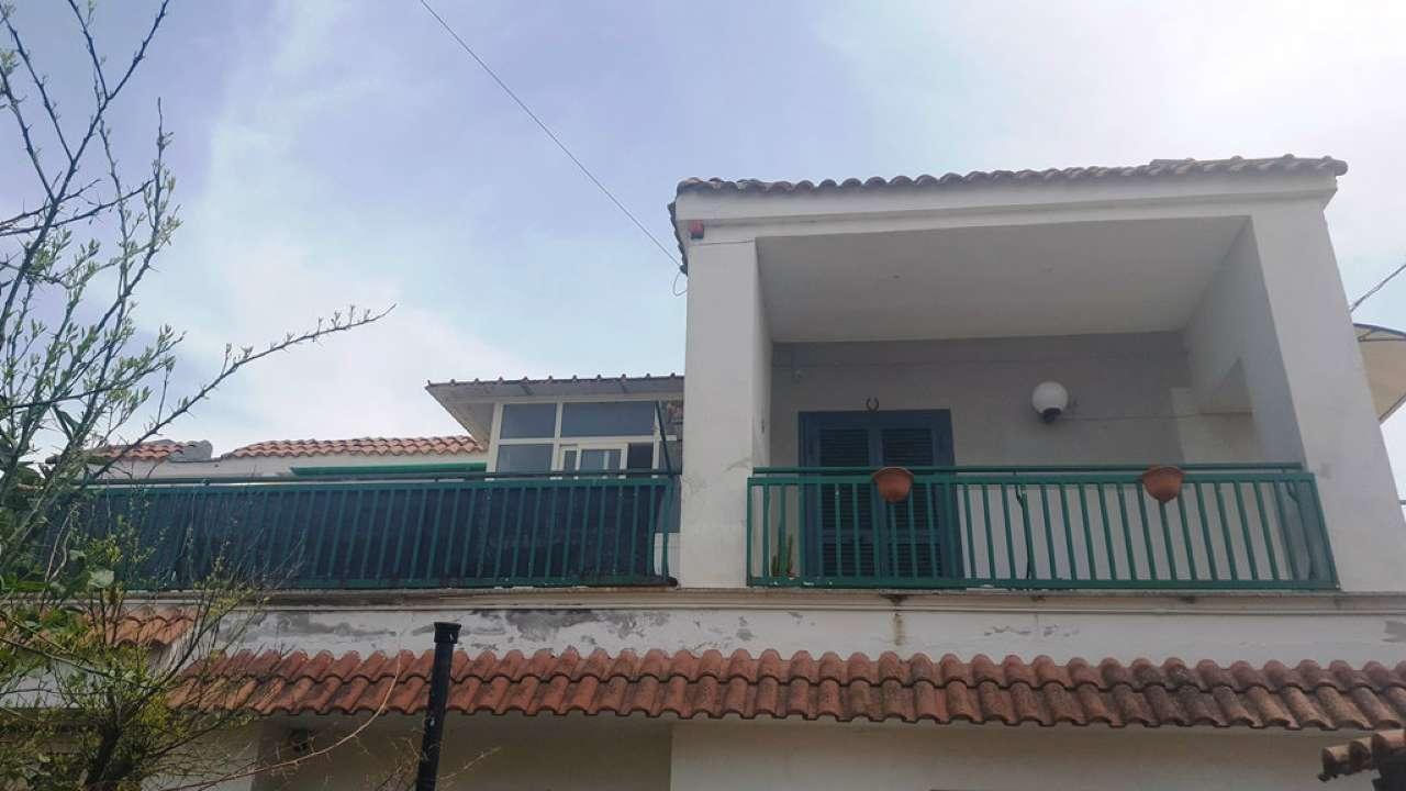 Appartamento in buone condizioni arredato in vendita Rif. 6908950