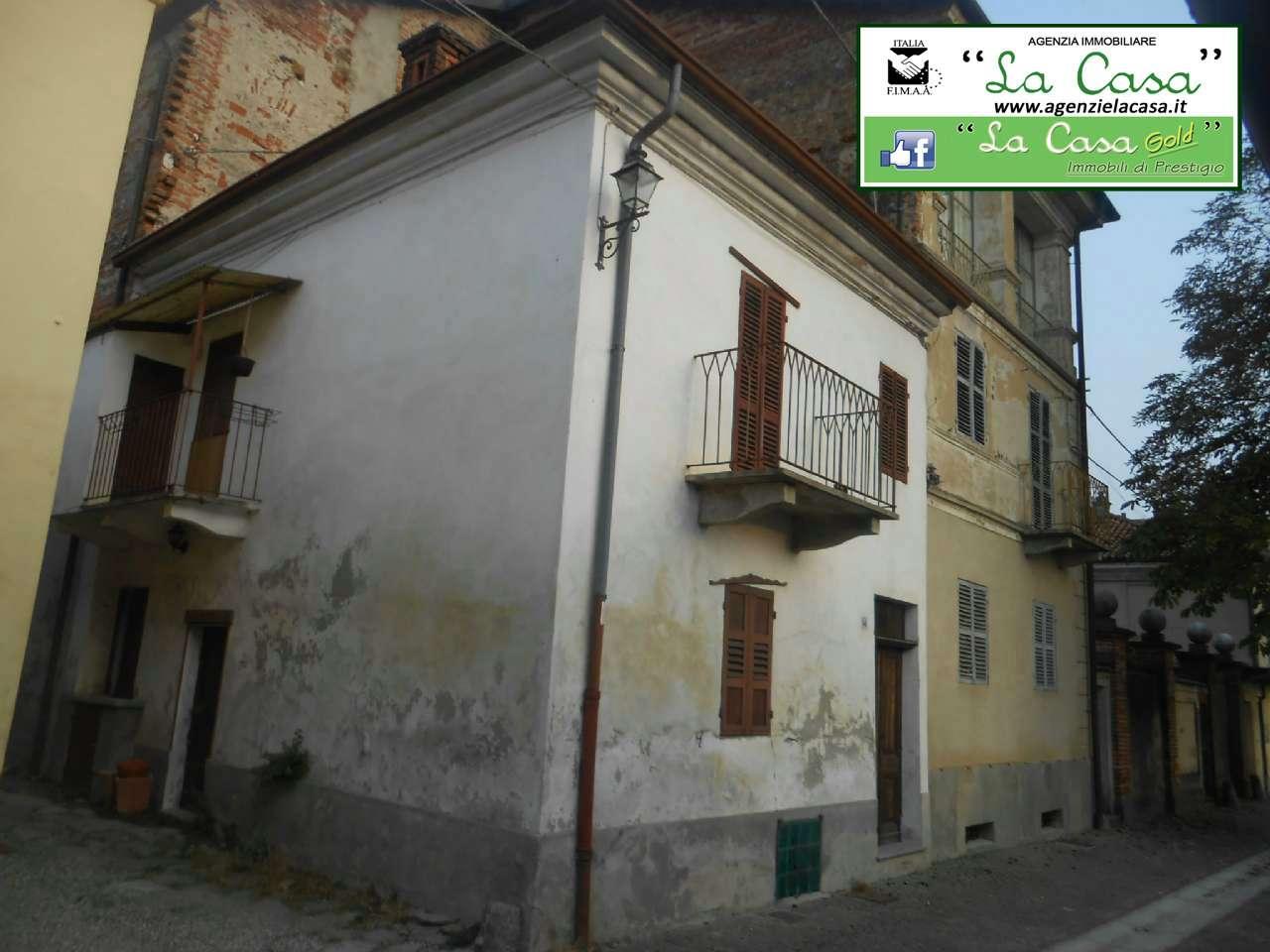 Palazzo / Stabile in vendita a Passerano Marmorito, 8 locali, prezzo € 29.000 | CambioCasa.it