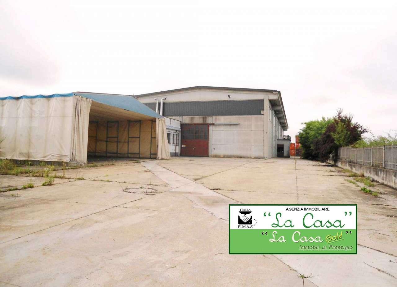 Capannone in vendita a Villanova d'Asti, 9999 locali, Trattative riservate | CambioCasa.it