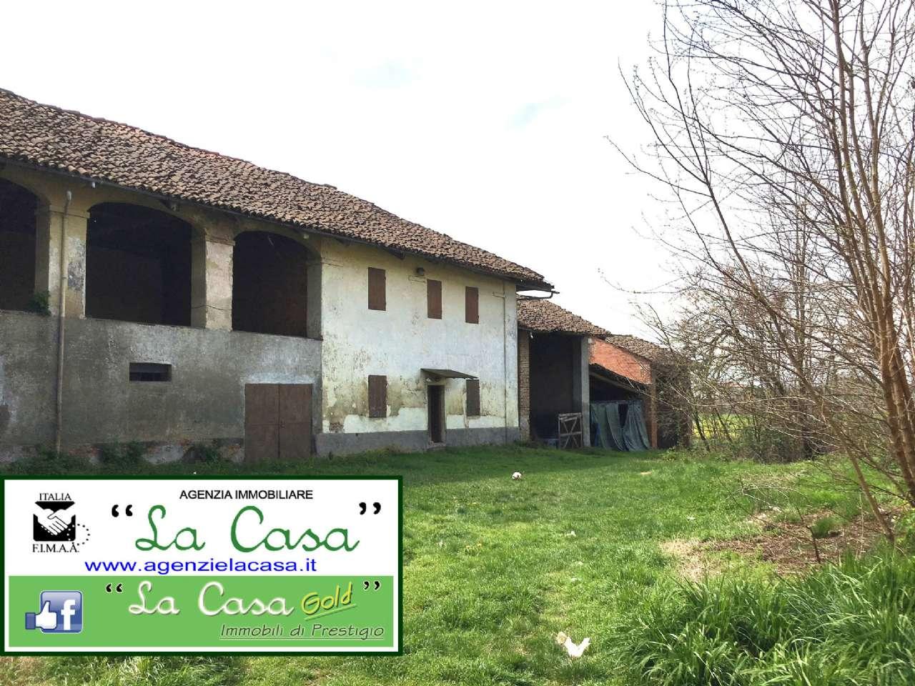 Rustico / Casale in vendita a Isolabella, 6 locali, prezzo € 64.000 | CambioCasa.it