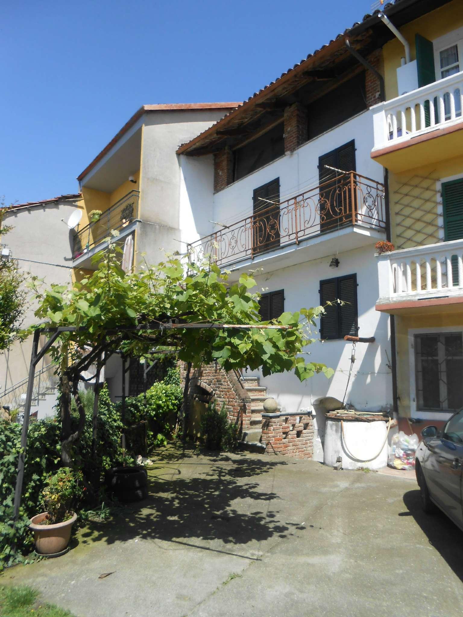 Casa Indipendente in buone condizioni parzialmente arredato in vendita Rif. 6700041