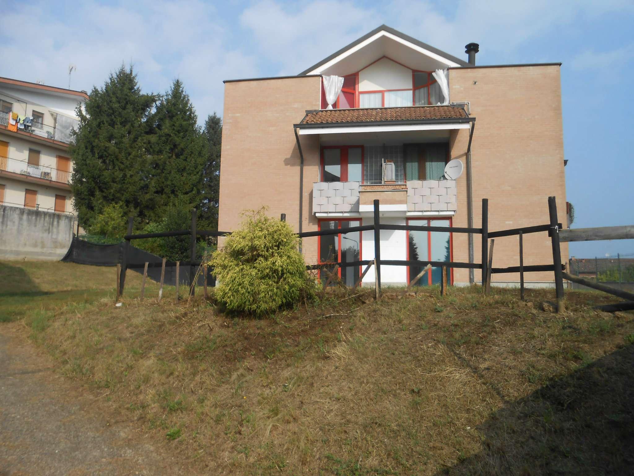 Castelnuovo centro - Appartamento con giardino.
