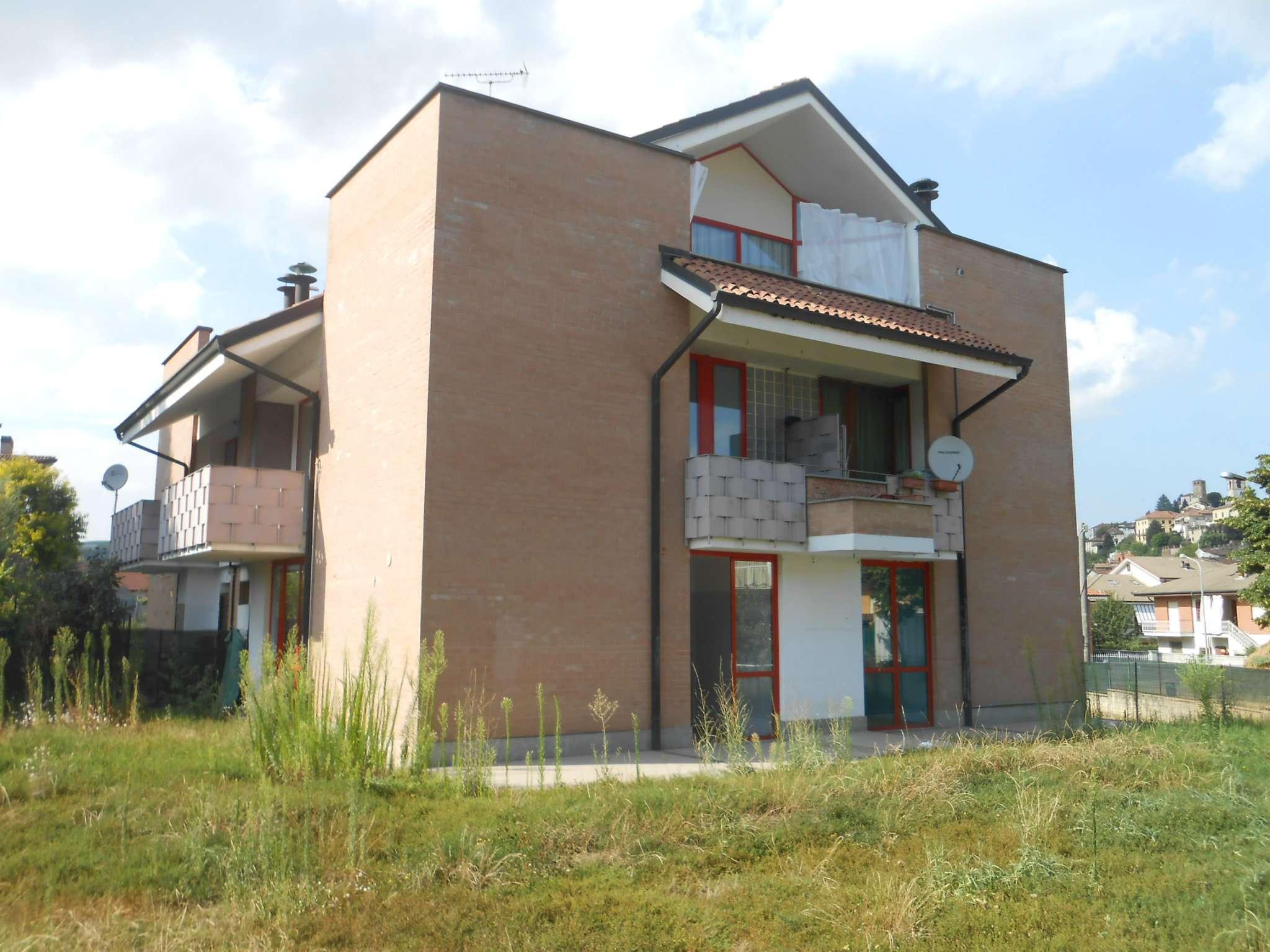 Castelnuovo centro - Appartamento con garage.