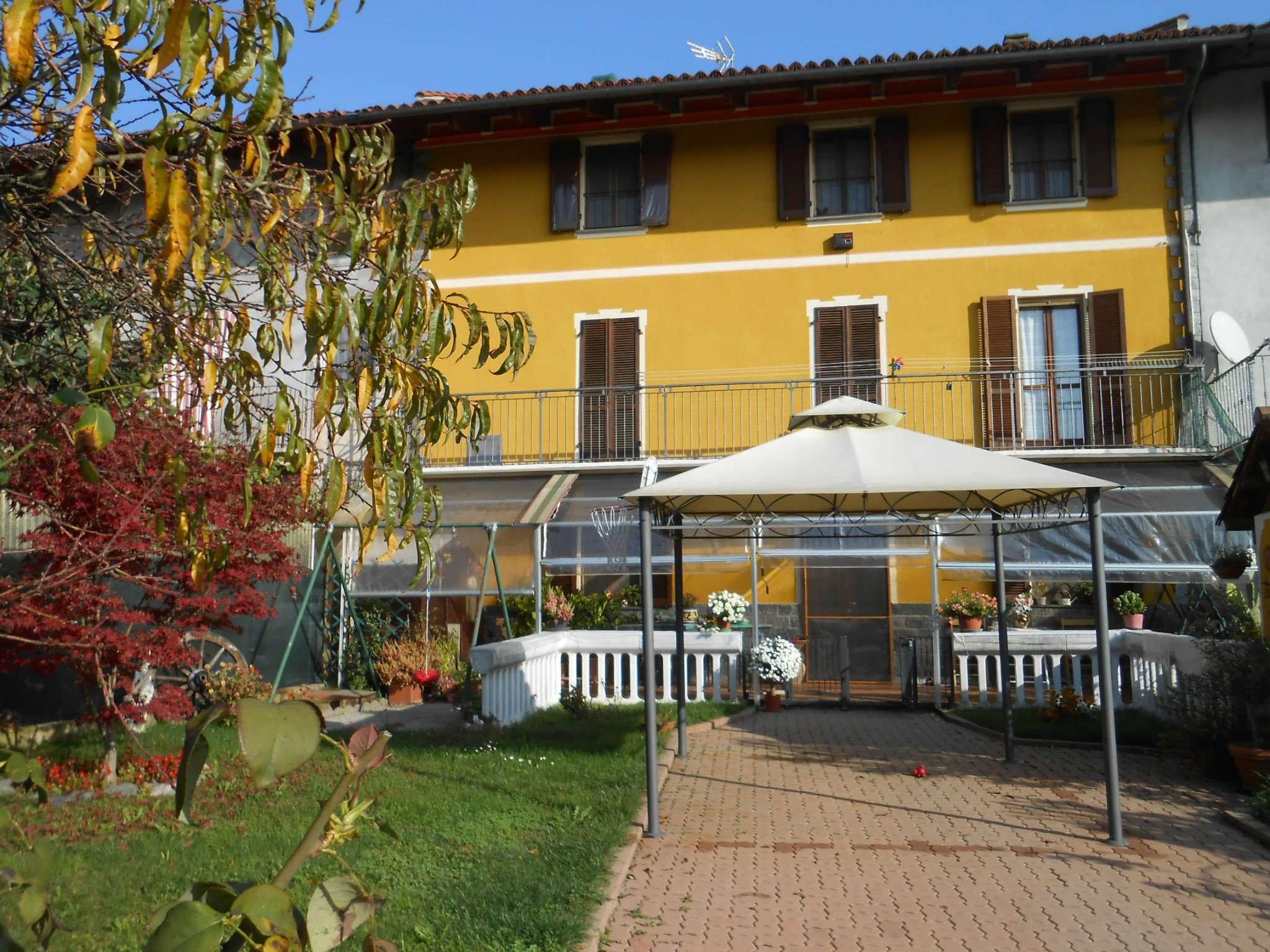 Soluzione Indipendente in vendita a Arignano, 12 locali, prezzo € 198.000   CambioCasa.it
