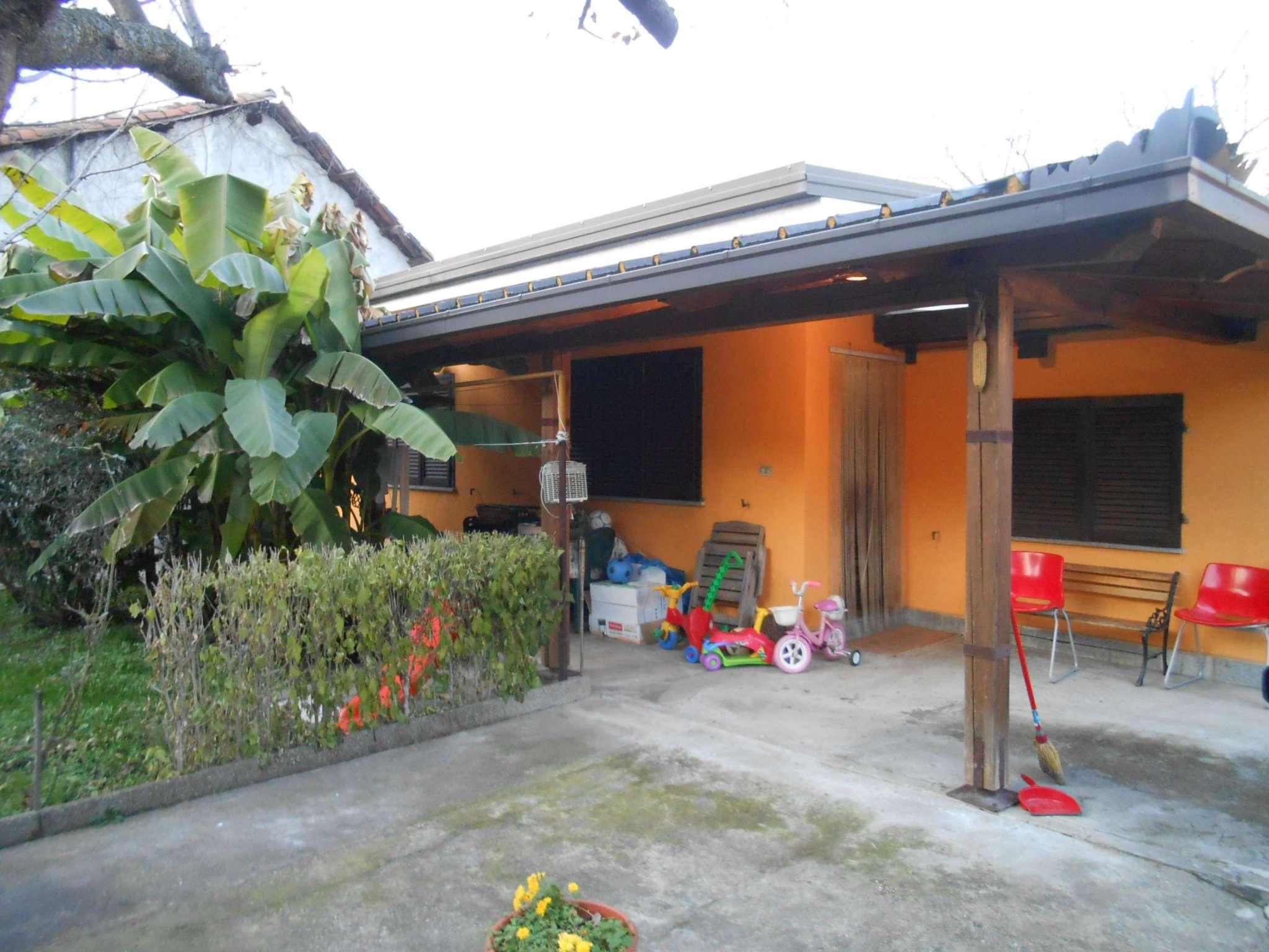 Villa in vendita a Cambiano, 5 locali, prezzo € 195.000 | CambioCasa.it