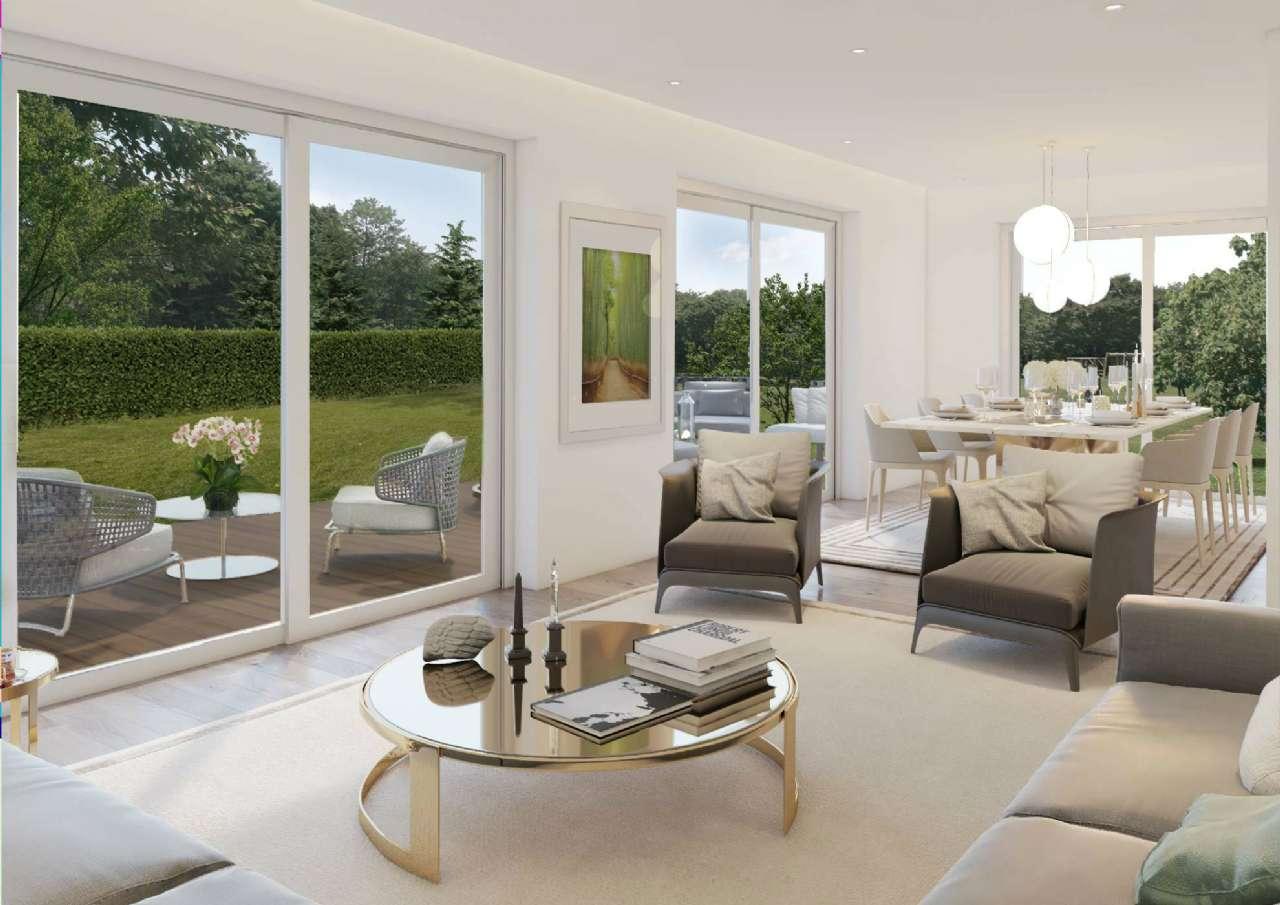 Villa in vendita a Montano Lucino, 5 locali, prezzo € 720.000   CambioCasa.it