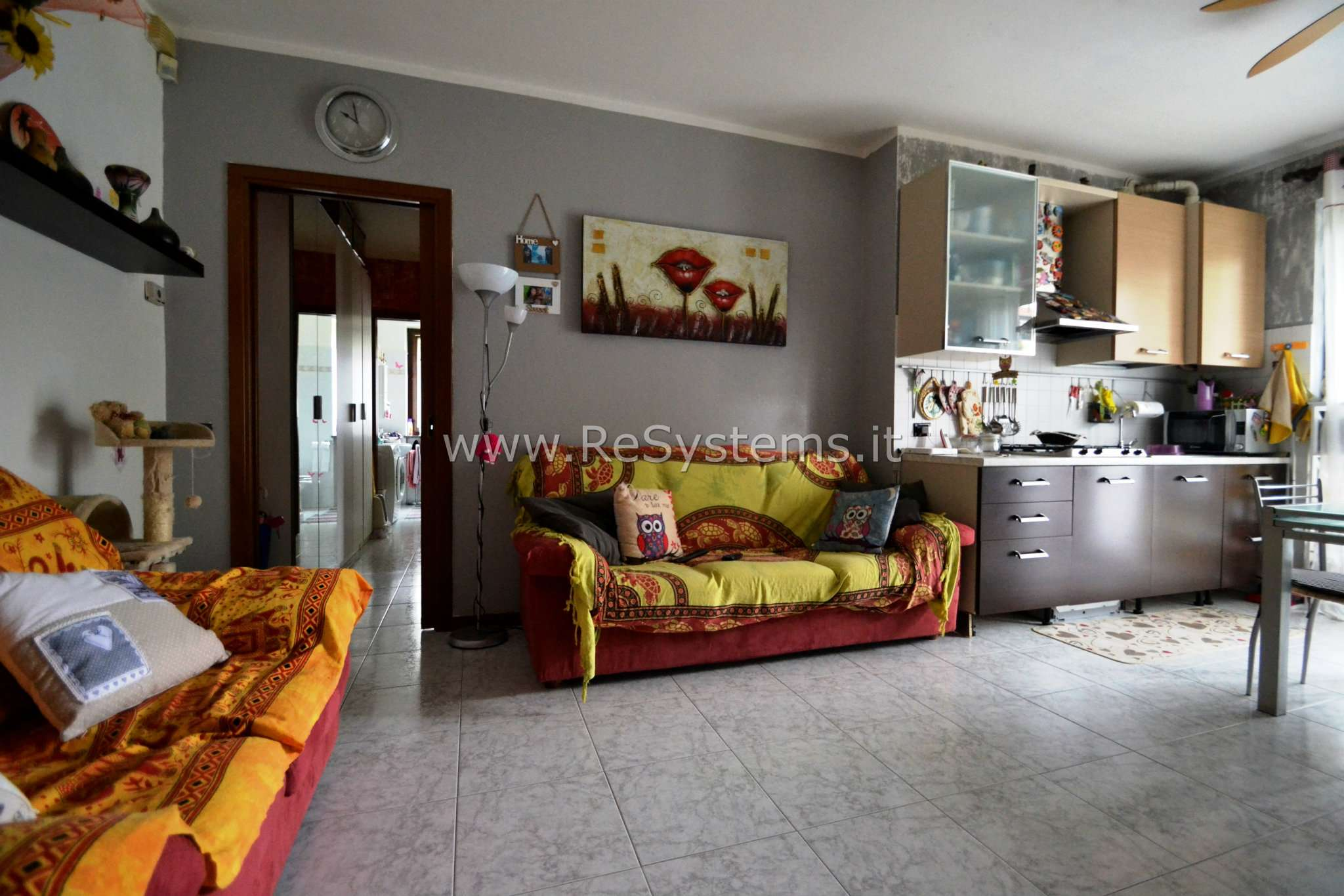 Appartamento in ottime condizioni parzialmente arredato in vendita Rif. 7299403