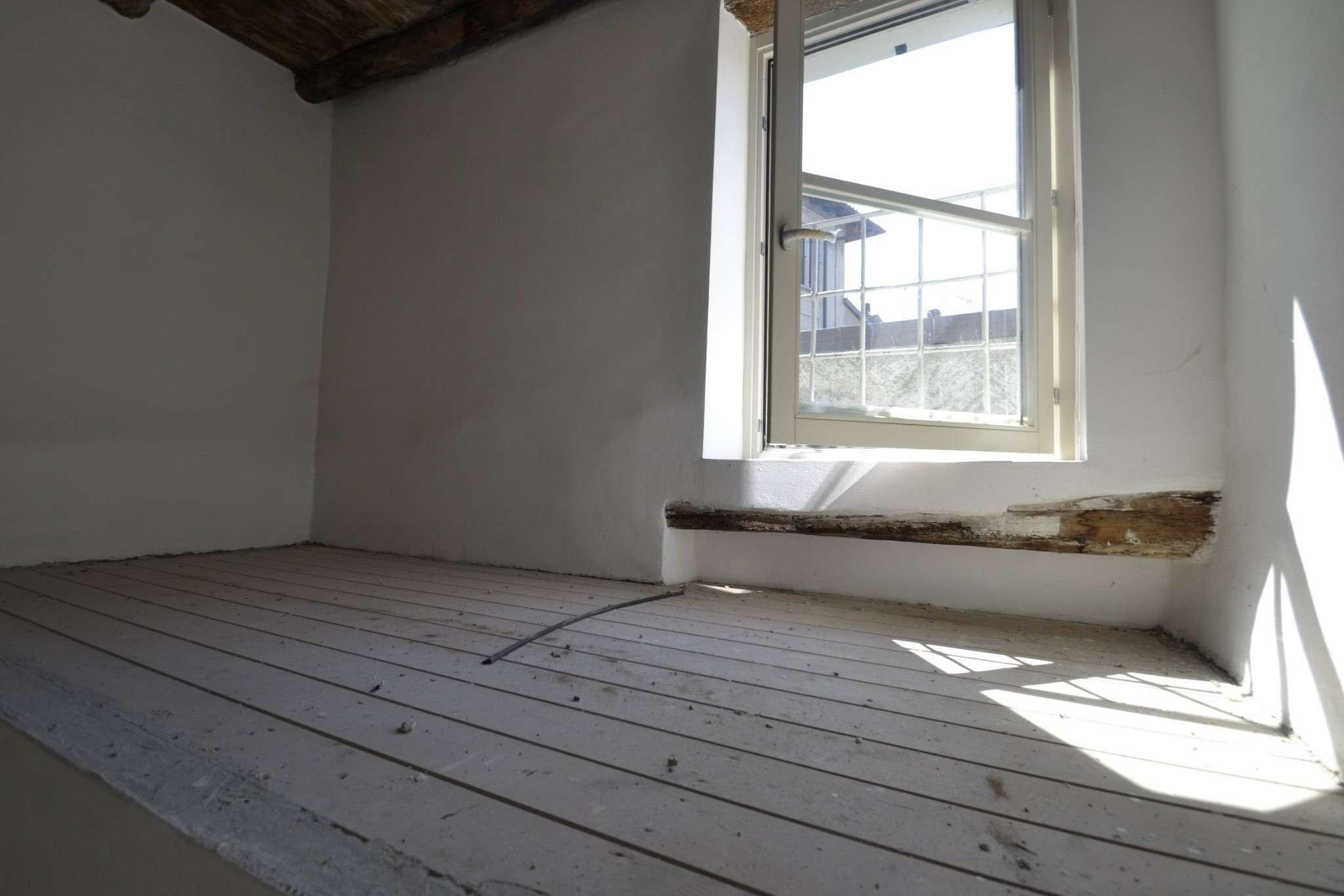 Appartamento in vendita a Porto Valtravaglia, 3 locali, prezzo € 143.000 | PortaleAgenzieImmobiliari.it
