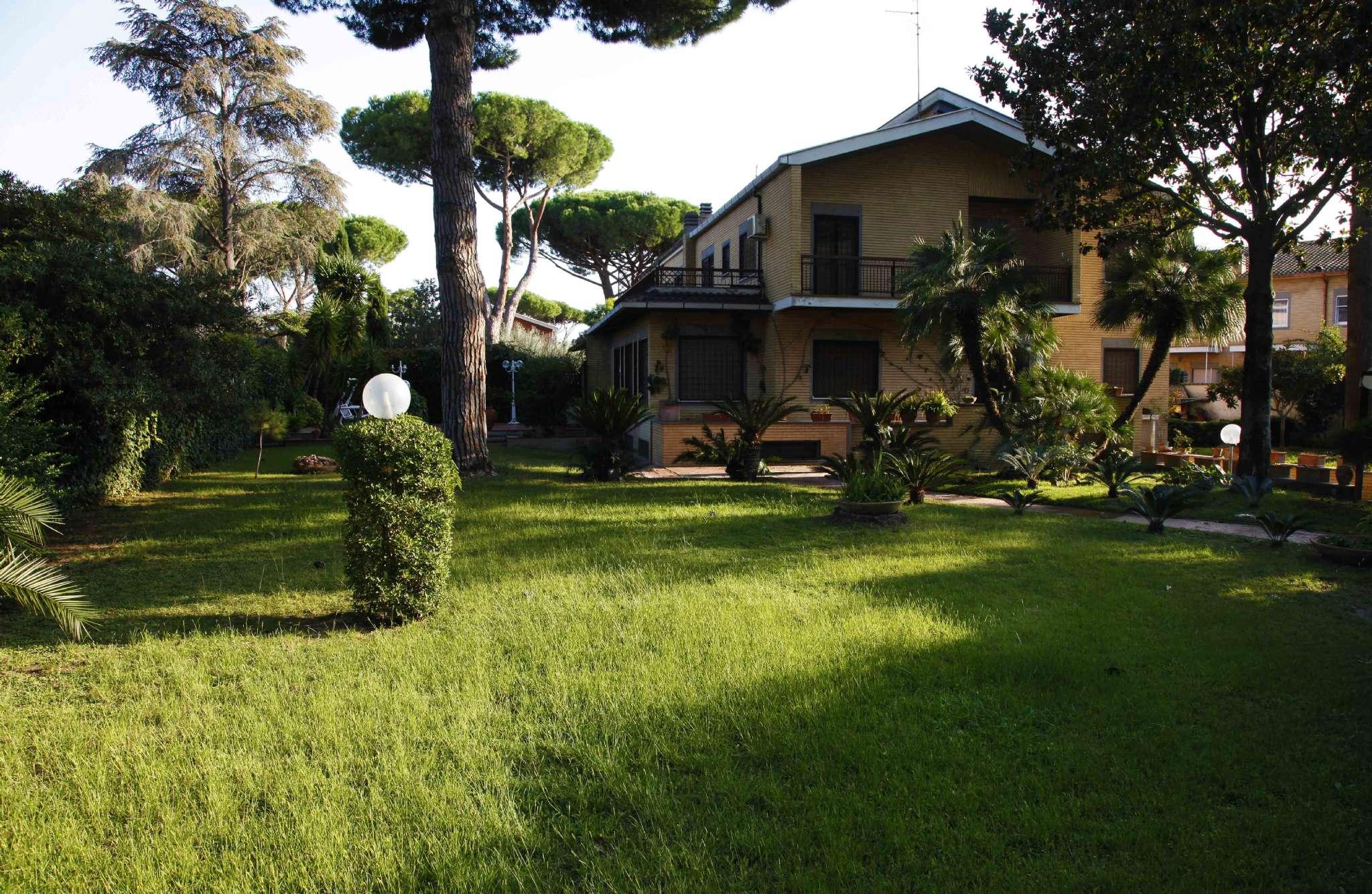 Villa Bifamiliare in vendita a Roma, 10 locali, zona Zona: 38 . Acilia, Vitinia, Infernetto, Axa, Casal Palocco, Madonnetta, prezzo € 900.000 | CambioCasa.it