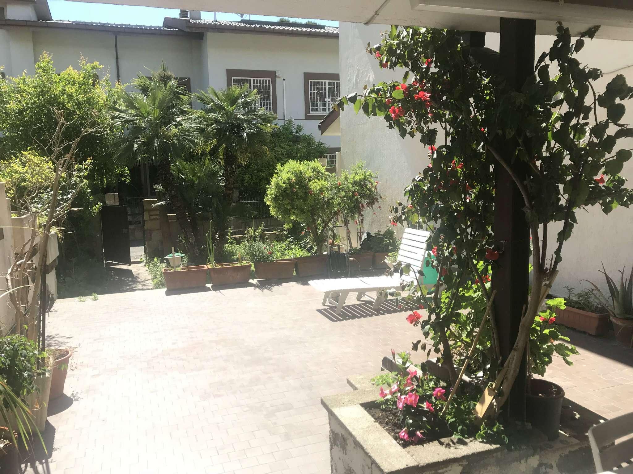 Villa a Schiera in vendita a Roma, 7 locali, zona Zona: 38 . Acilia, Vitinia, Infernetto, Axa, Casal Palocco, Madonnetta, prezzo € 350.000 | CambioCasa.it