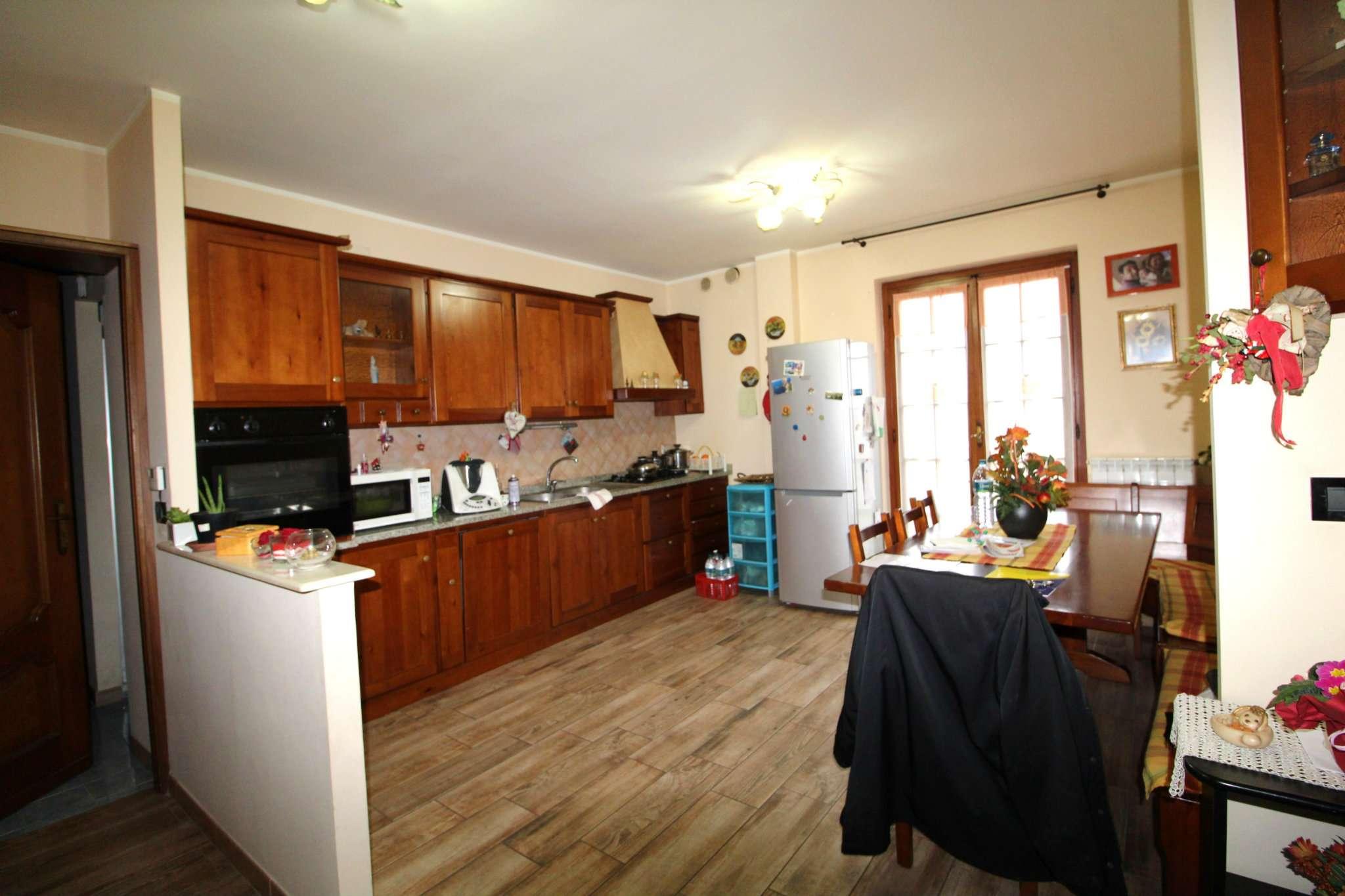 Appartamento in vendita a None, 6 locali, prezzo € 130.000 | CambioCasa.it