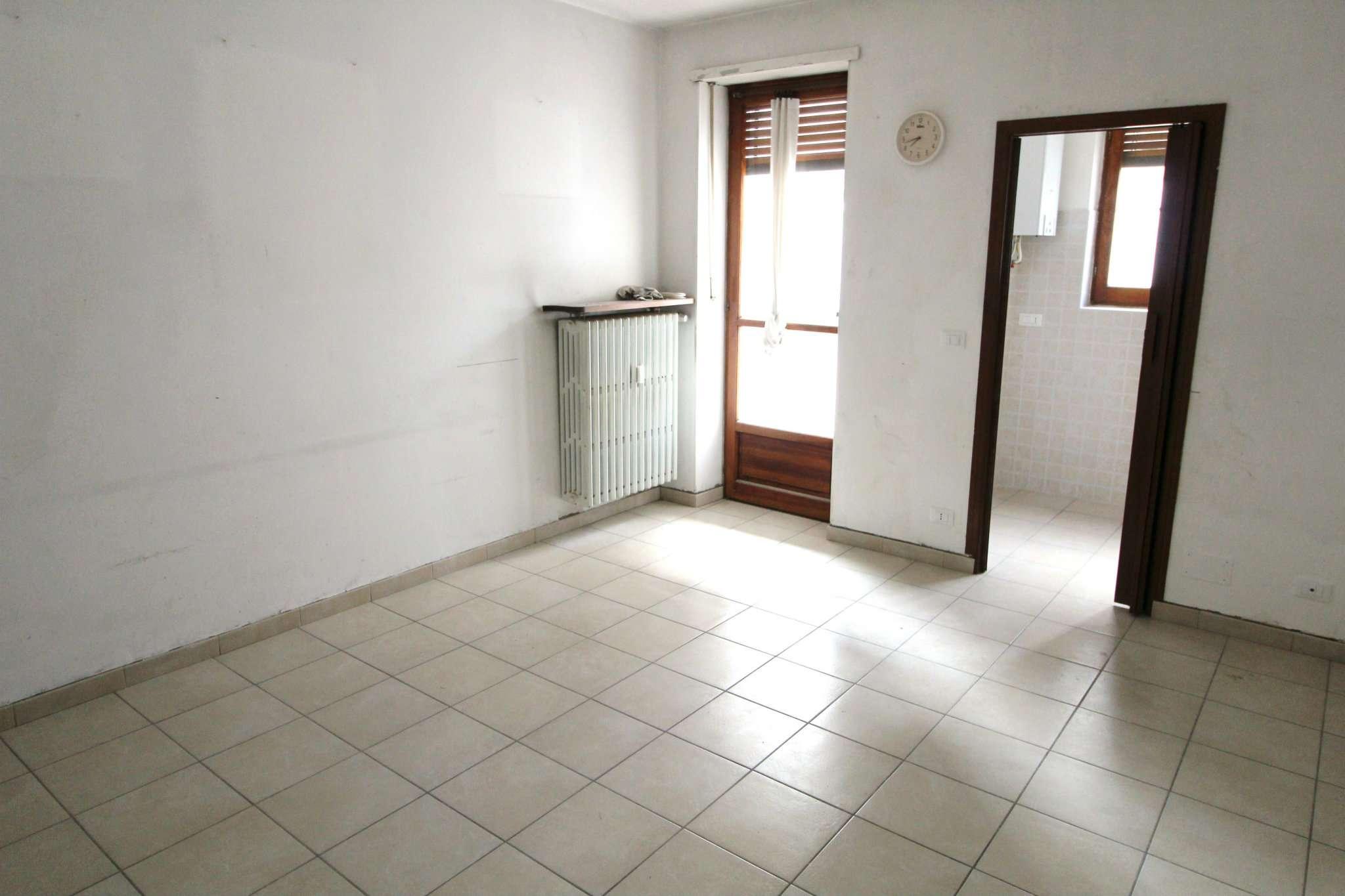 Appartamento in affitto a None, 2 locali, prezzo € 350 | CambioCasa.it