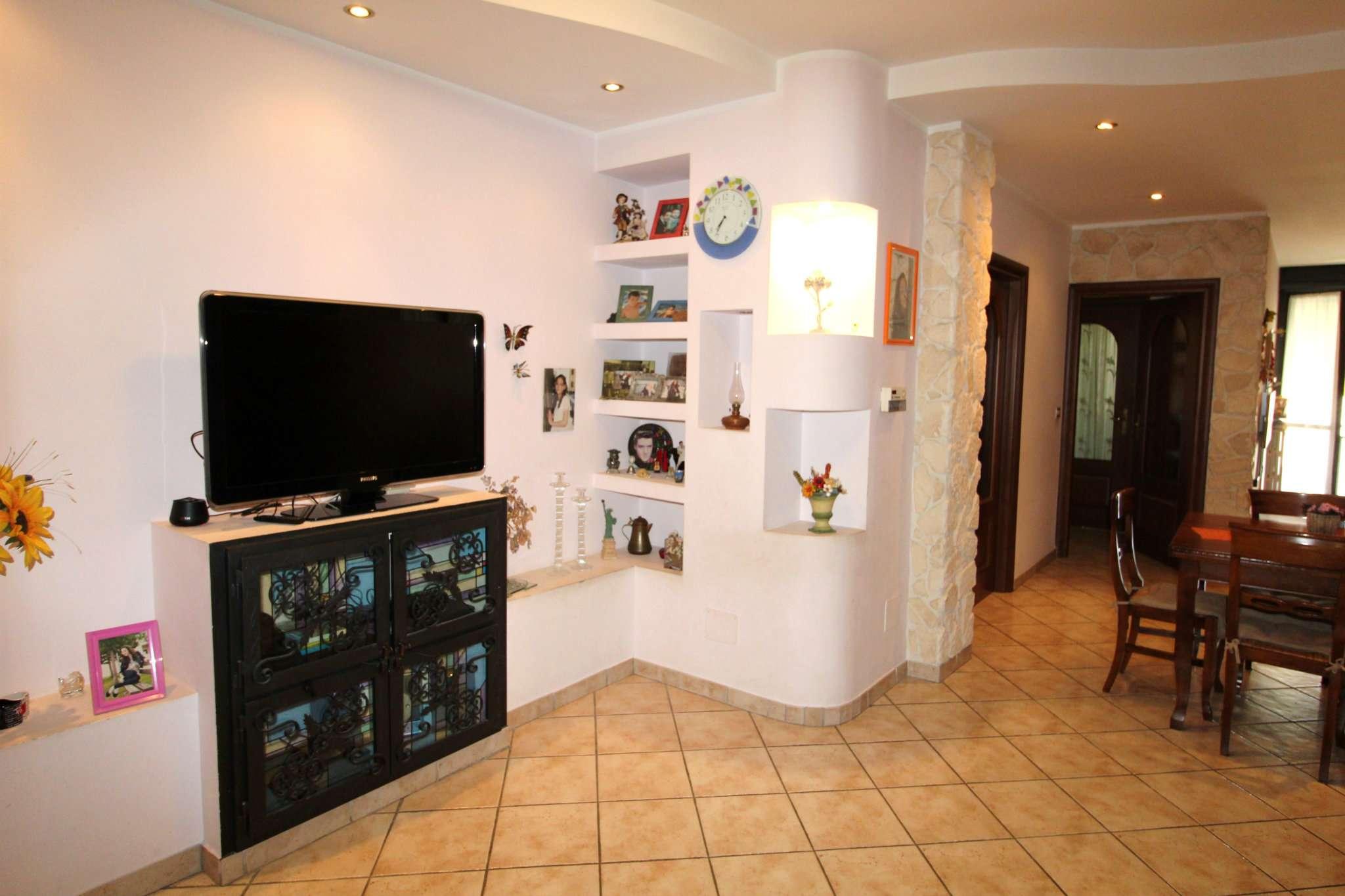 Appartamento in vendita a None, 3 locali, prezzo € 118.000 | CambioCasa.it