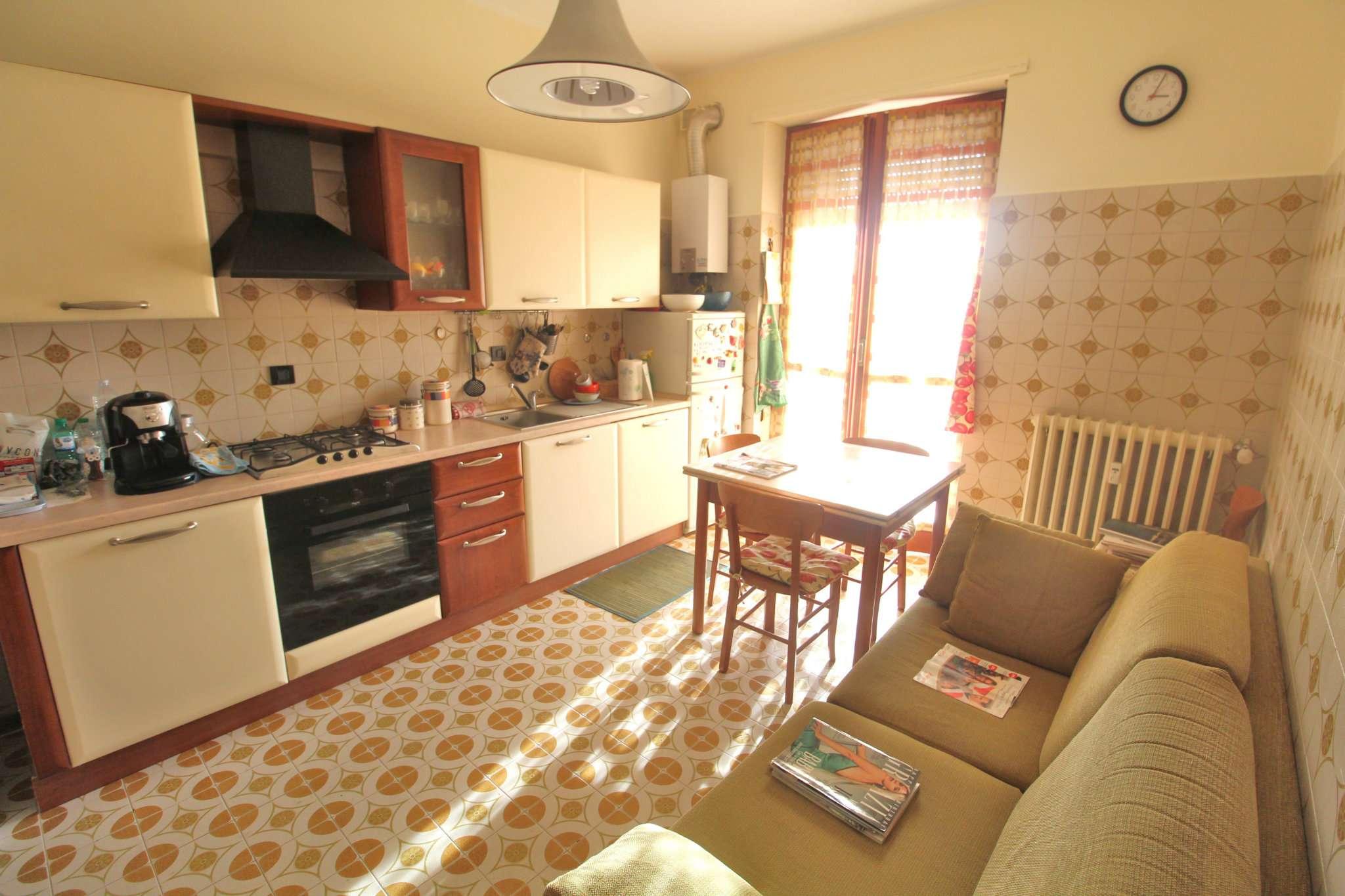 Appartamento in buone condizioni arredato in affitto Rif. 8577515