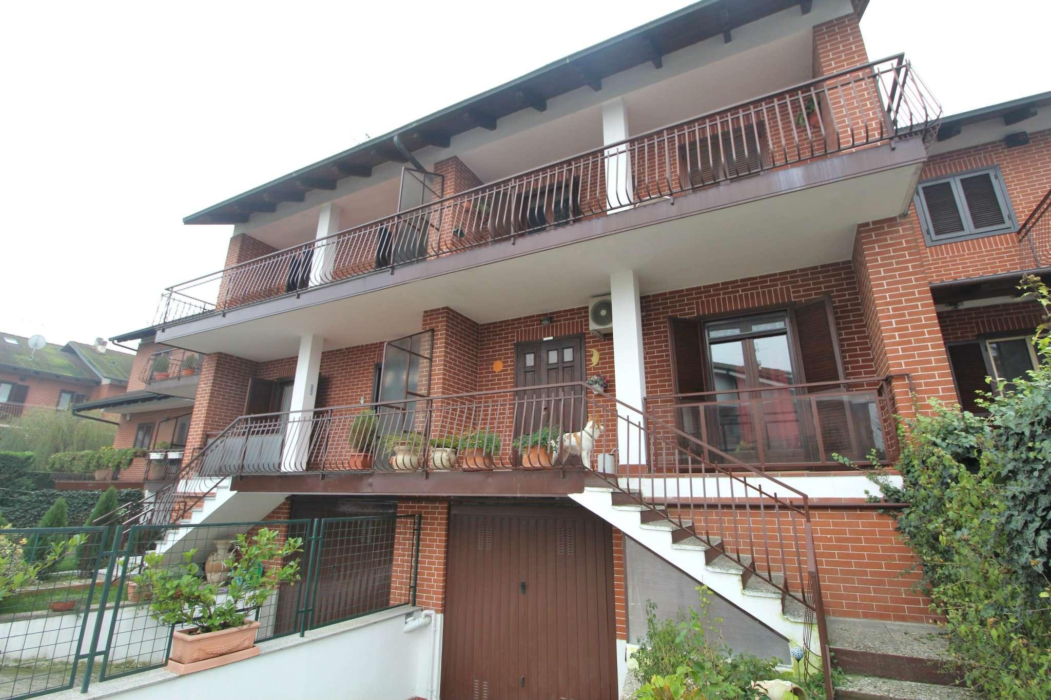 Villa a Schiera in vendita a None, 7 locali, prezzo € 245.000   CambioCasa.it