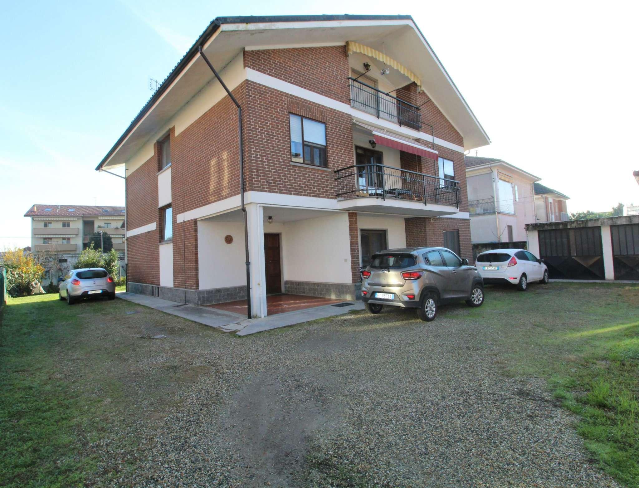 Appartamento in vendita a None, 4 locali, prezzo € 185.000 | CambioCasa.it