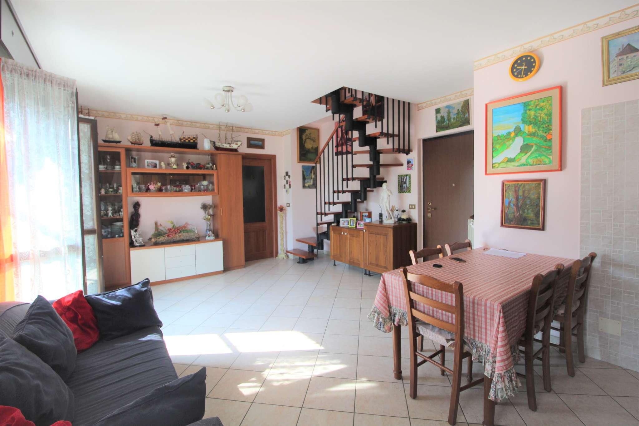 Appartamento in vendita a La Loggia, 5 locali, prezzo € 190.000   PortaleAgenzieImmobiliari.it