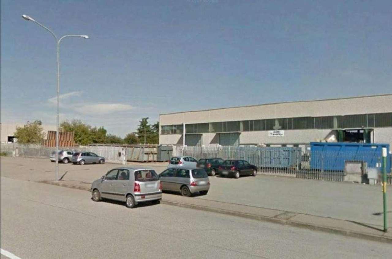 Capannone in affitto a Caltignaga, 2 locali, prezzo € 5.500 | PortaleAgenzieImmobiliari.it
