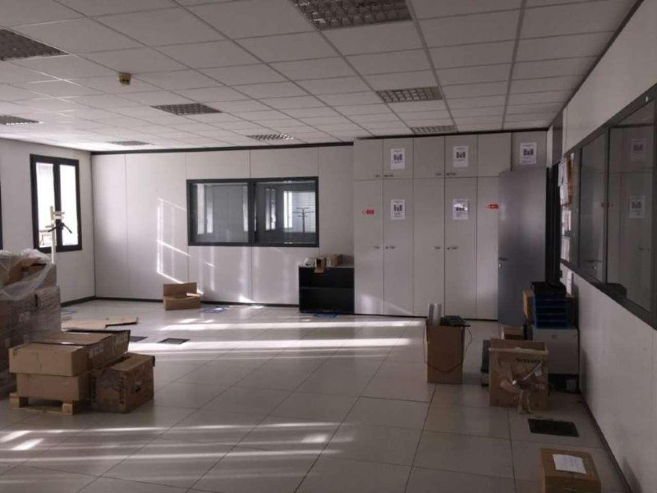 Ufficio / Studio in vendita a San Pietro Mosezzo, 15 locali, prezzo € 650.000 | CambioCasa.it