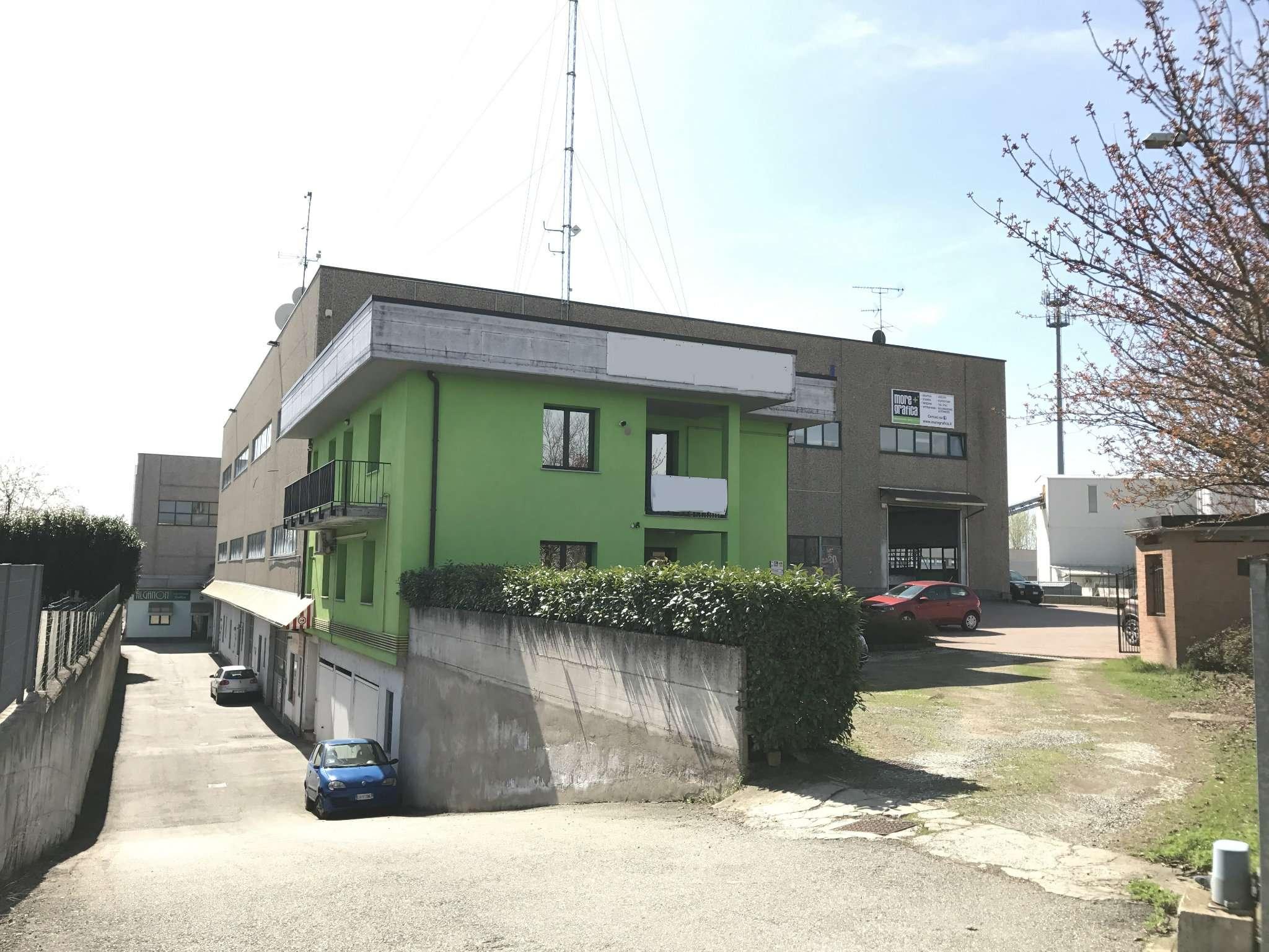 Ufficio / Studio in vendita a Fontaneto d'Agogna, 6 locali, prezzo € 270.000 | CambioCasa.it