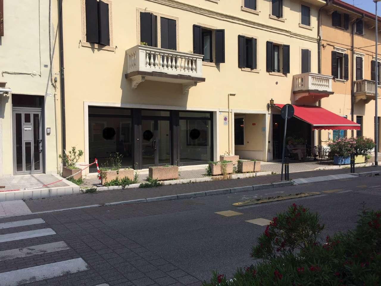 Negozio / Locale in affitto a Verona, 3 locali, zona Zona: 6 . Borgo Trieste - Borgo Venezia, prezzo € 1.700 | CambioCasa.it