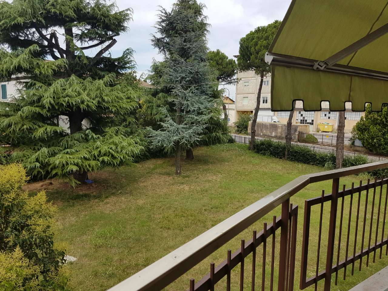 Appartamento in affitto a Verona, 4 locali, zona Zona: 10 . Borgo Roma - Ca' di David - Palazzina - Zai, prezzo € 700   CambioCasa.it
