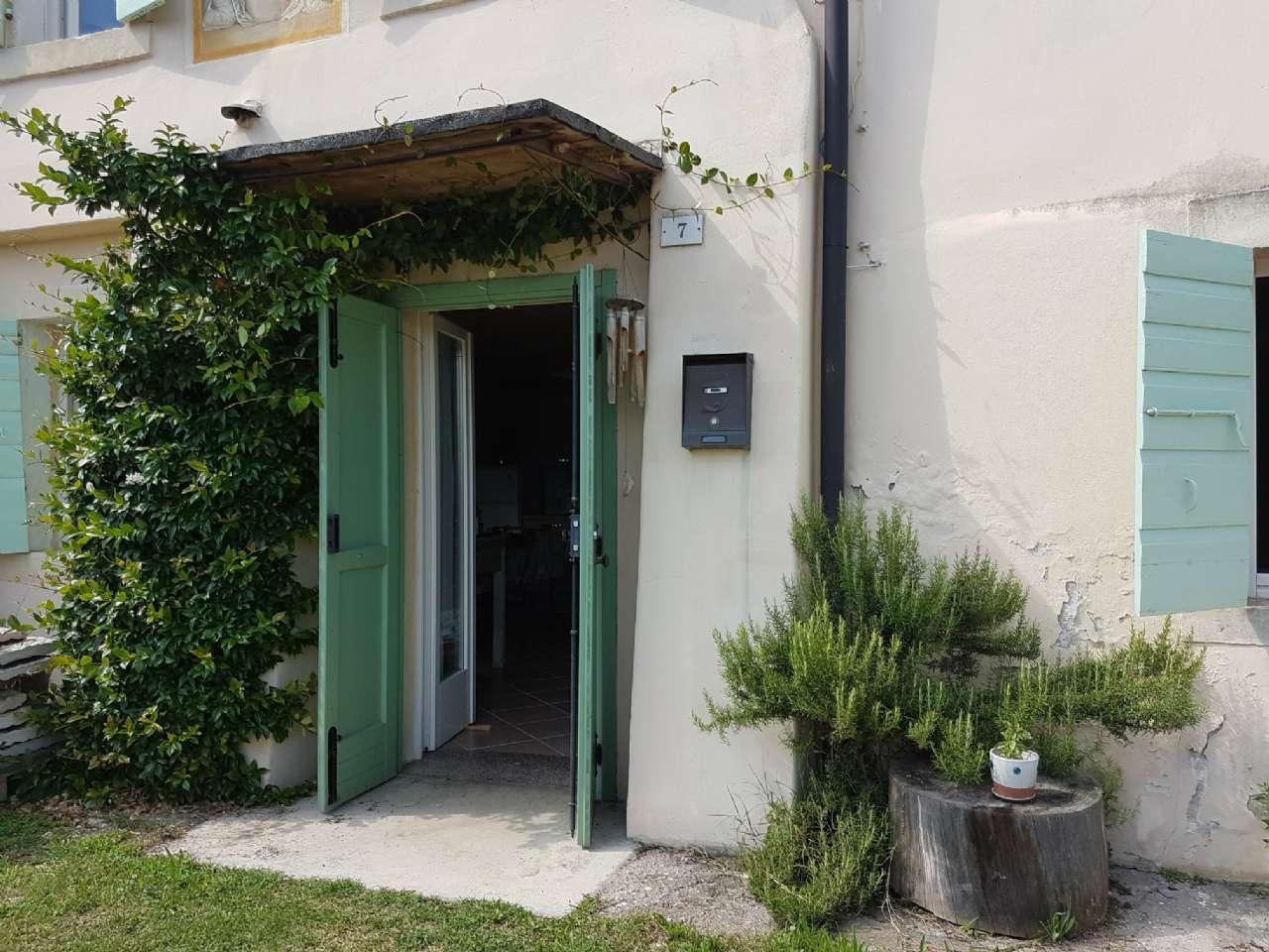 Appartamento in affitto a Negrar, 2 locali, prezzo € 450 | CambioCasa.it