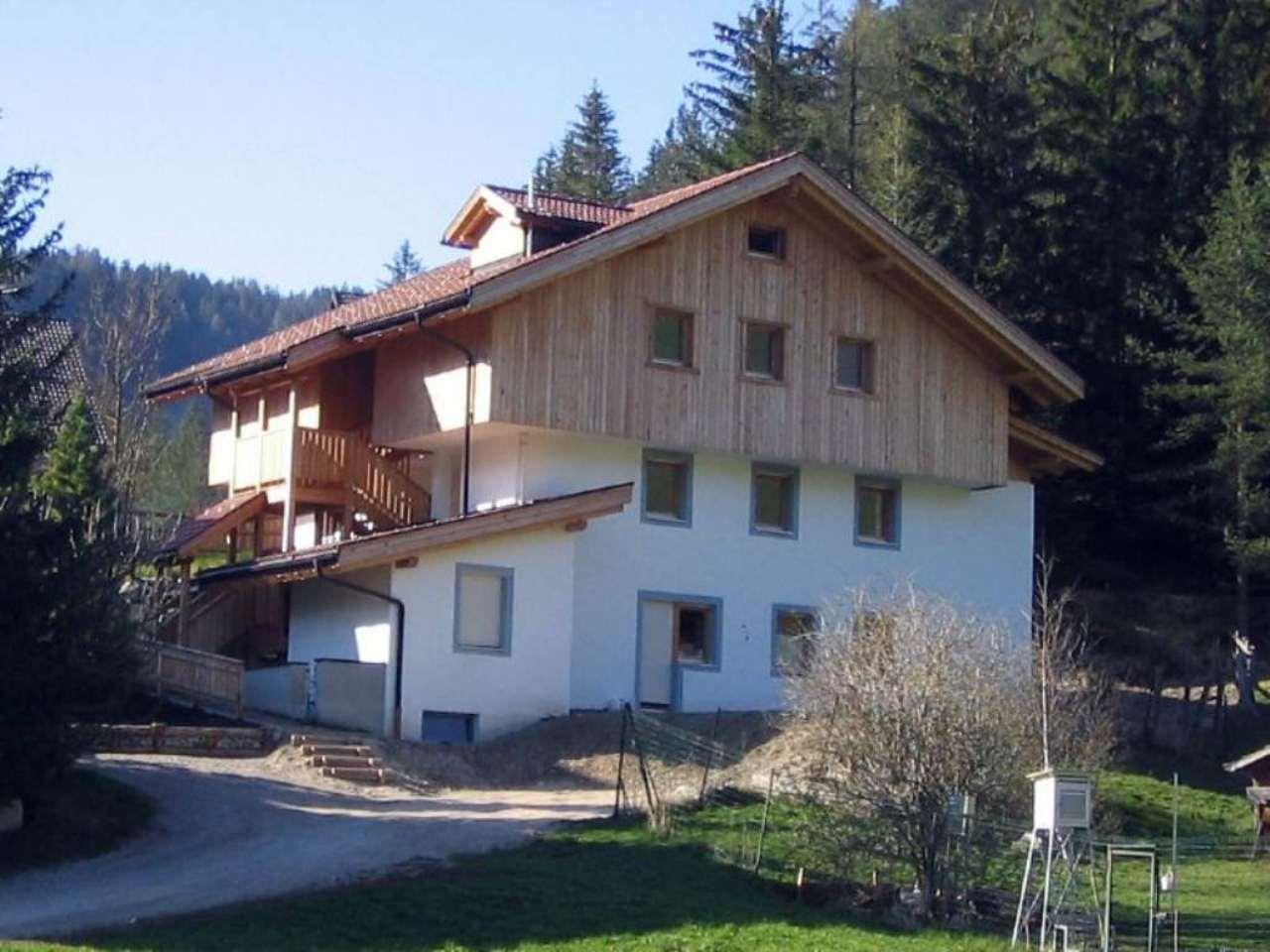 Appartamento parzialmente arredato in vendita Rif. 5107673