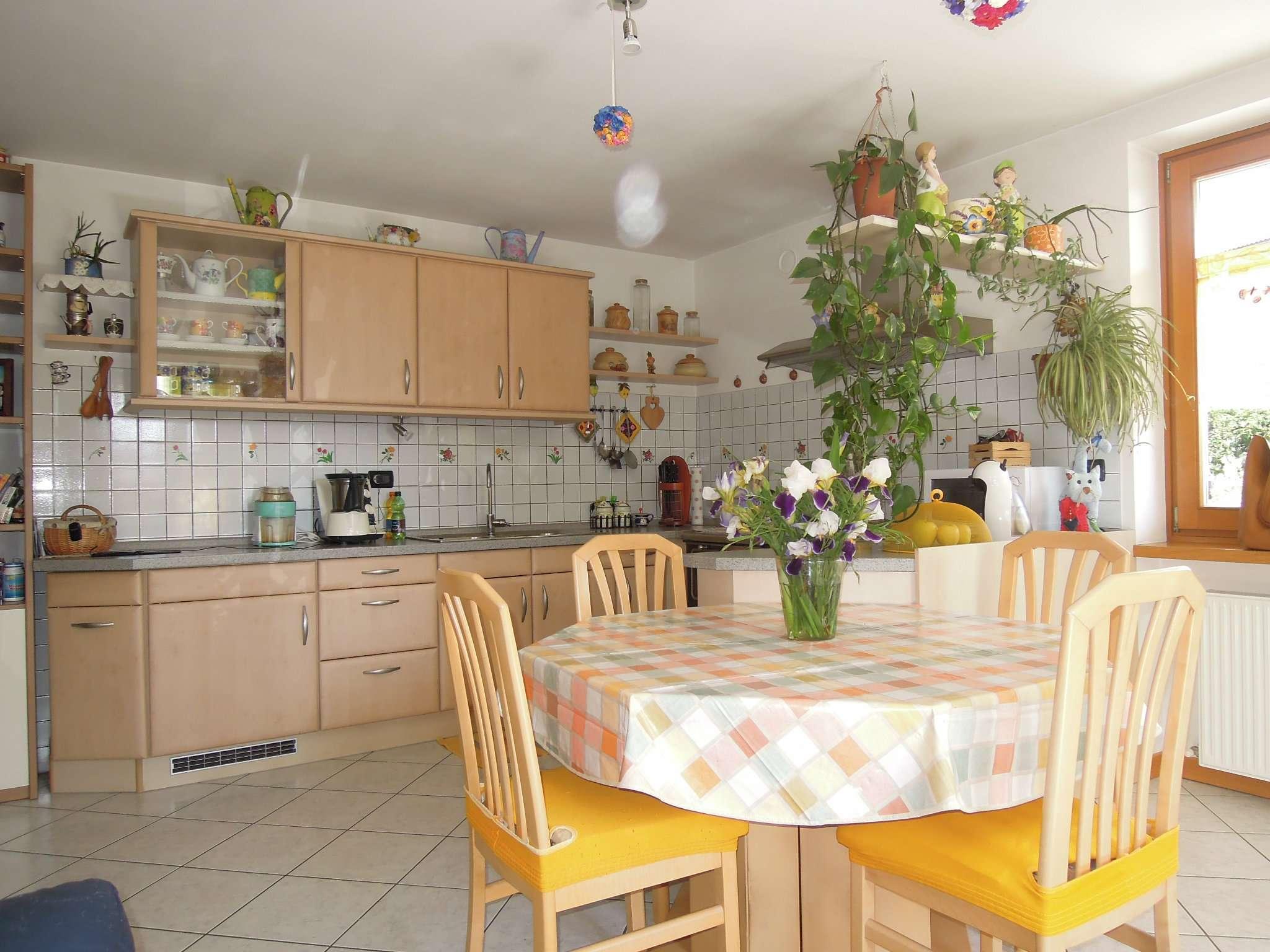 Appartamento in buone condizioni in vendita Rif. 5107899