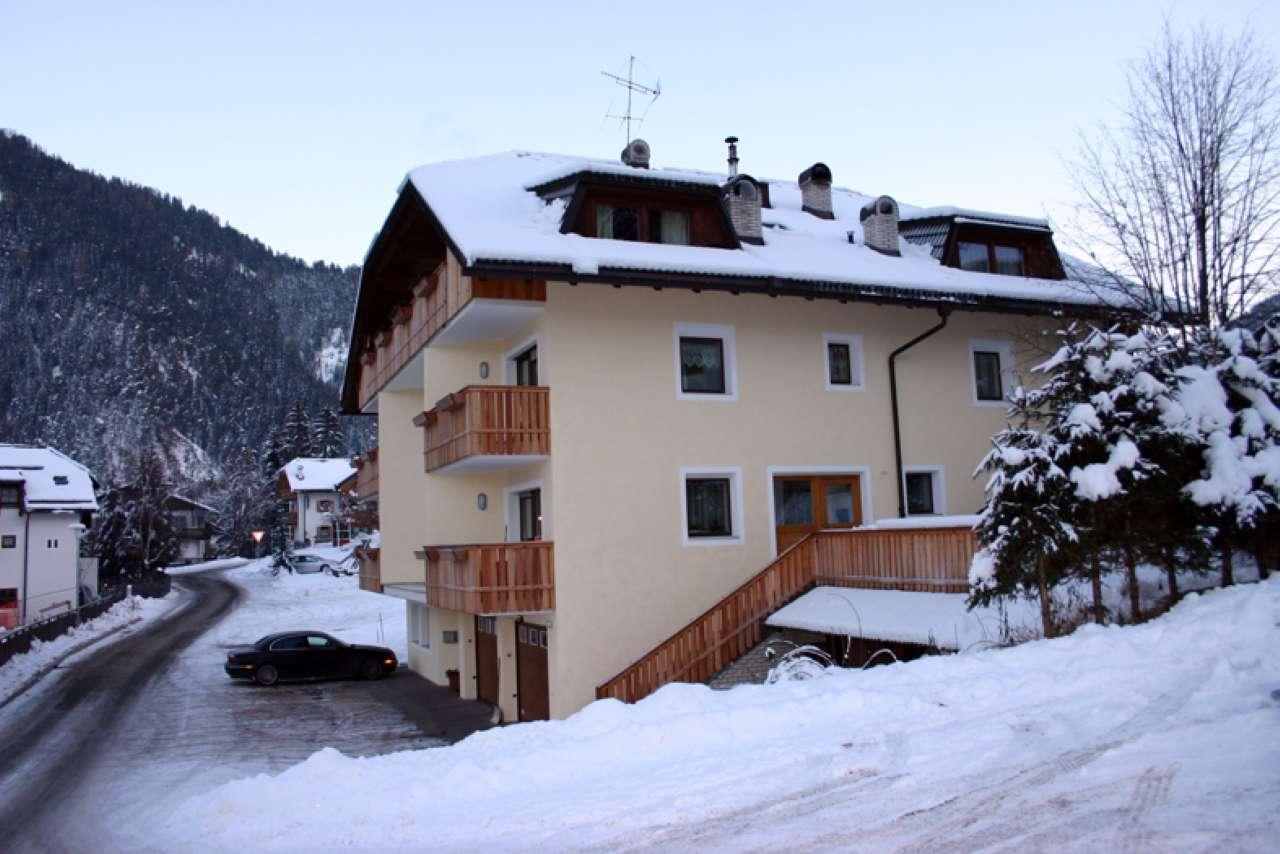 Appartamento in buone condizioni arredato in vendita Rif. 6346229