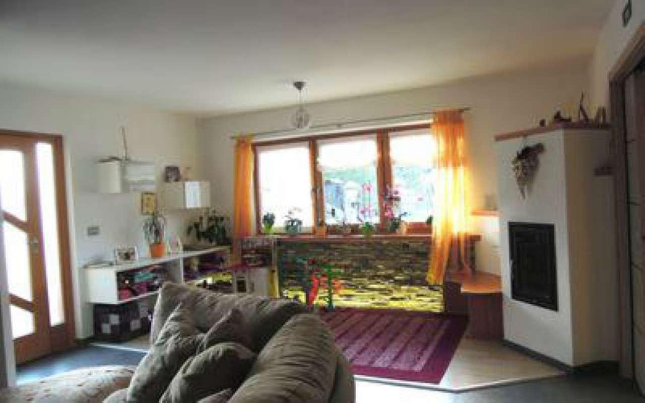 Appartamento ristrutturato parzialmente arredato in vendita Rif. 6787768