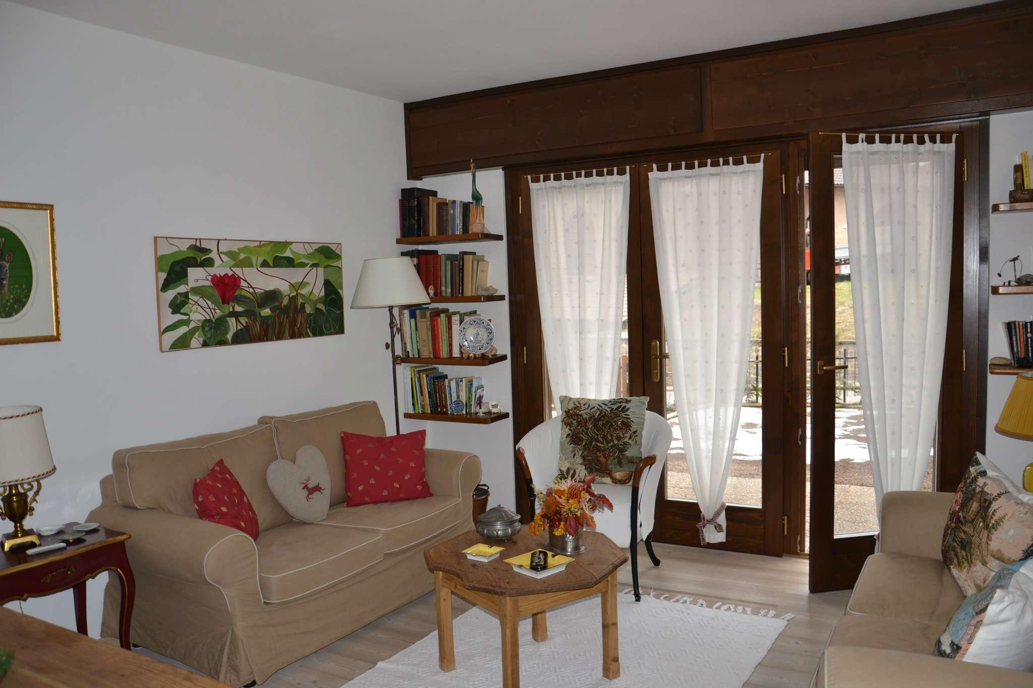 Appartamento in ottime condizioni in vendita Rif. 7413280